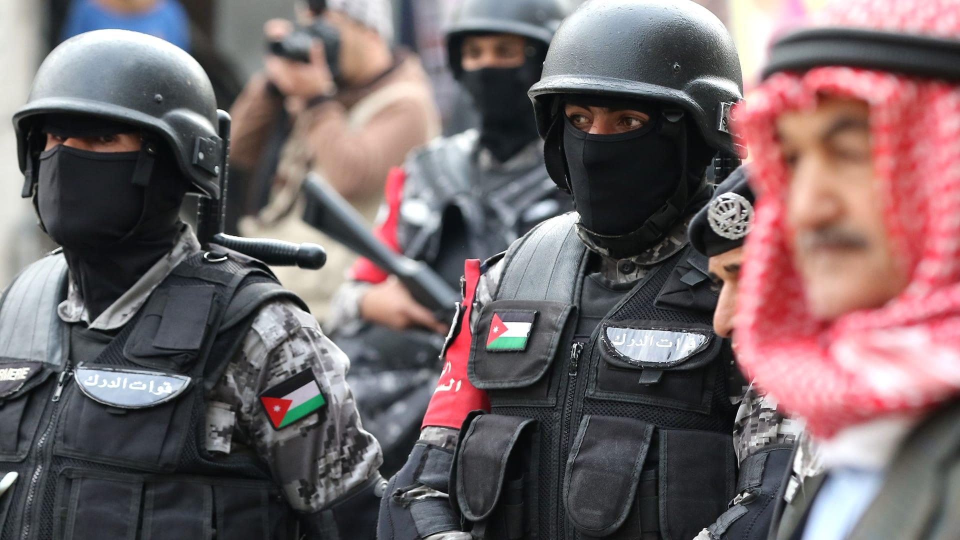 الأردن: عبوة ناسفة وراء مقتل ضابط بمحيط مهرجان الفحيص