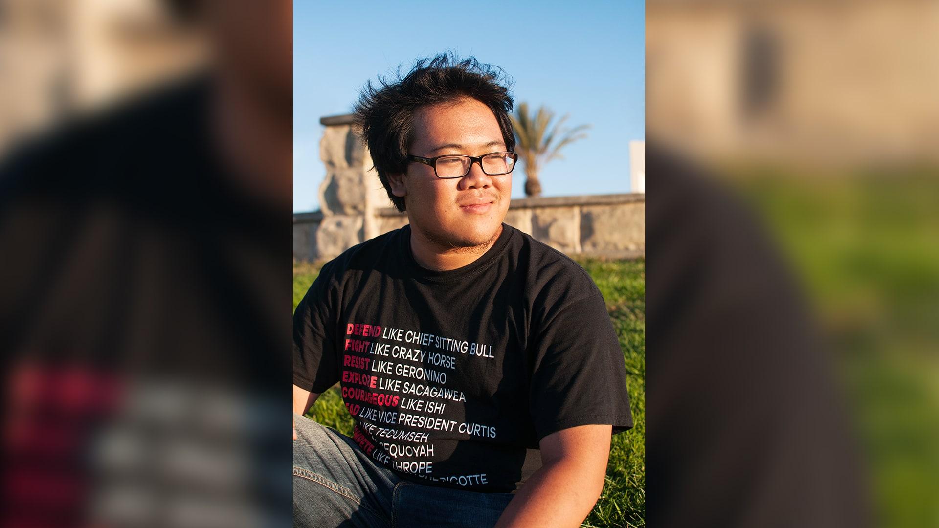 كينيث، طالب جامعيّ من كاليفورنيا.