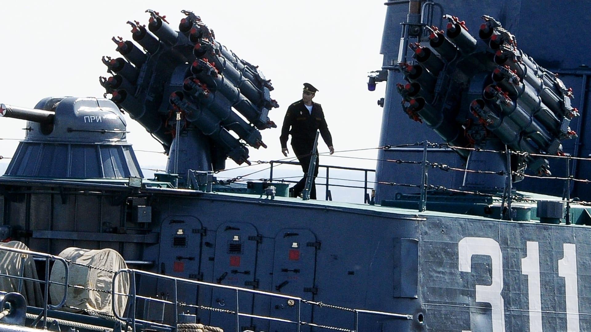 البنتاغون يتساءل: لماذا بقيت سفن روسيا بالمتوسط بعد انتهاء التدريبات؟