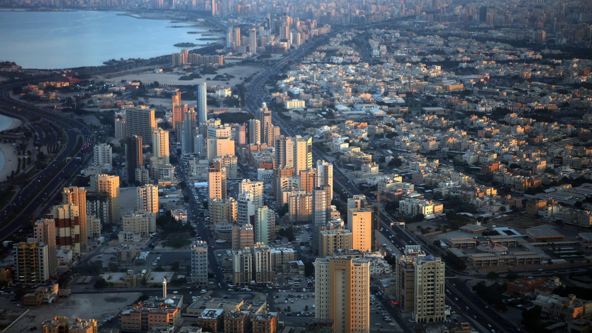 الكويت.. إحالة 449 شكوى نصب عقاري للنائب العام