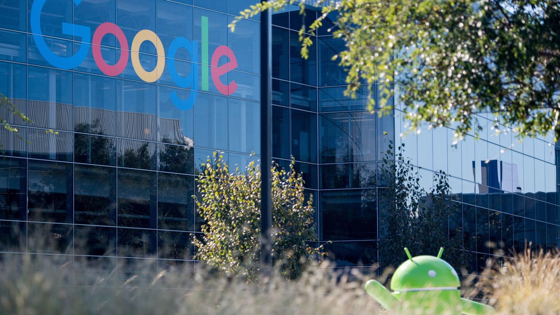 """اتفاق لـ""""غوغل"""" يهوي بأسهم """"Tom Tom"""" الهولندية"""