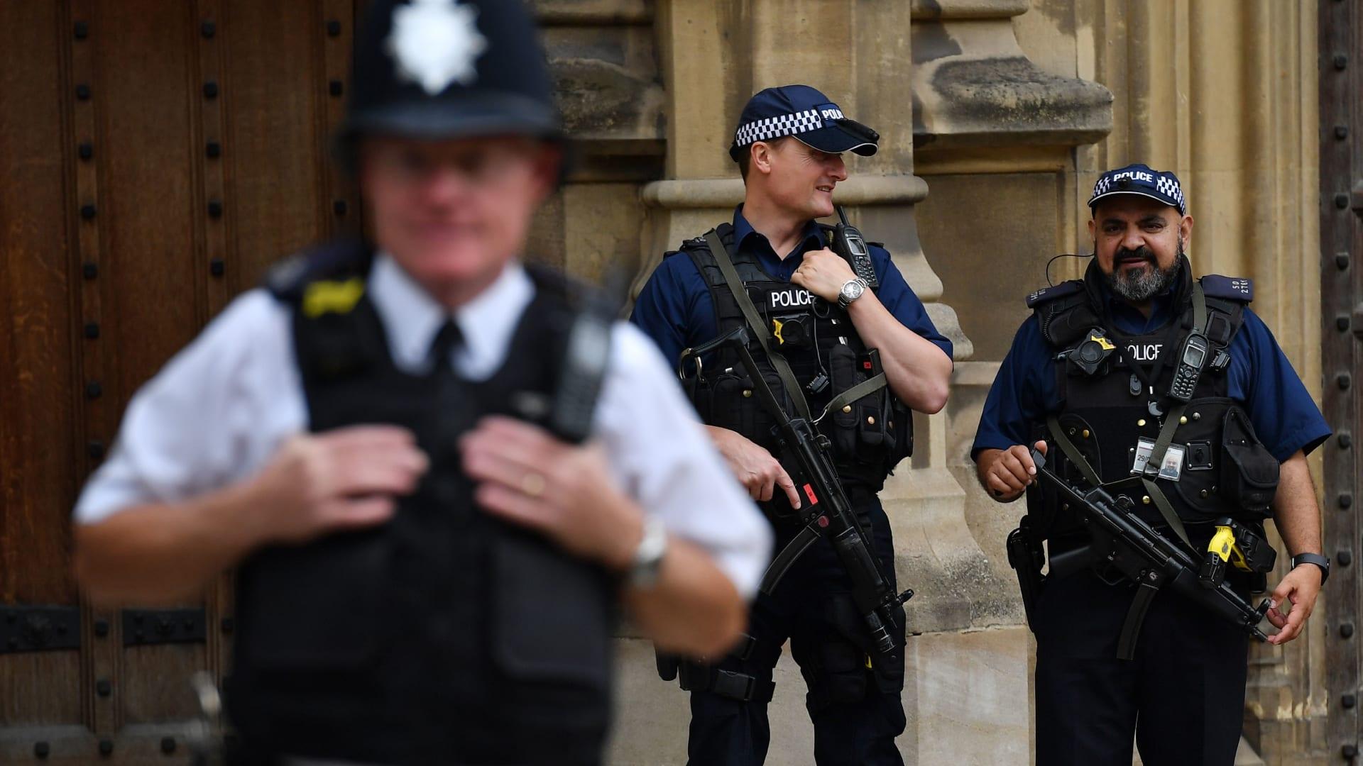 """""""جريمة كراهية"""".. جرحى بعملية دهس قرب مركز إسلامي في لندن"""