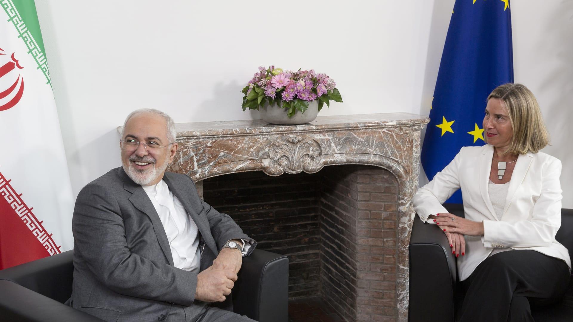 ظريف: 7 بنوك مركزية أوروبية تقر إنشاء آلية مالية للتعامل مع إيران