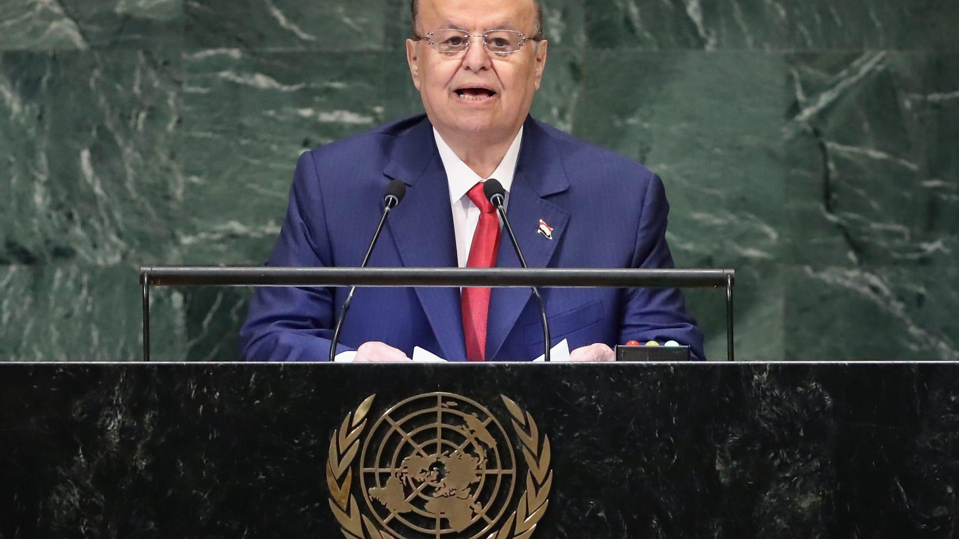 الرئيس اليمني يعفي أحمد بن دغر من منصبه ويحيله للتحقيق