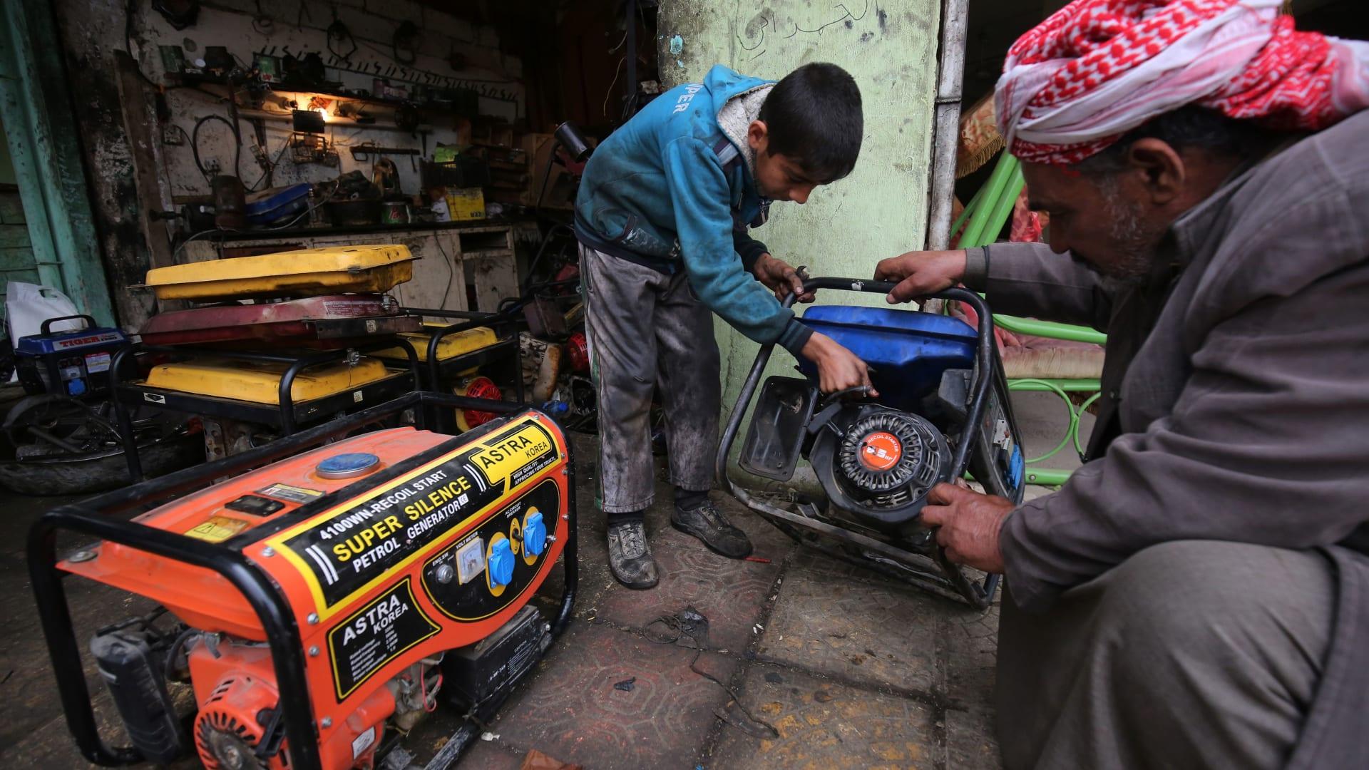 العراق تتفق مع جنرال اليكتريك وسيمنز لتوفير 24 غيغاواط كهرباء