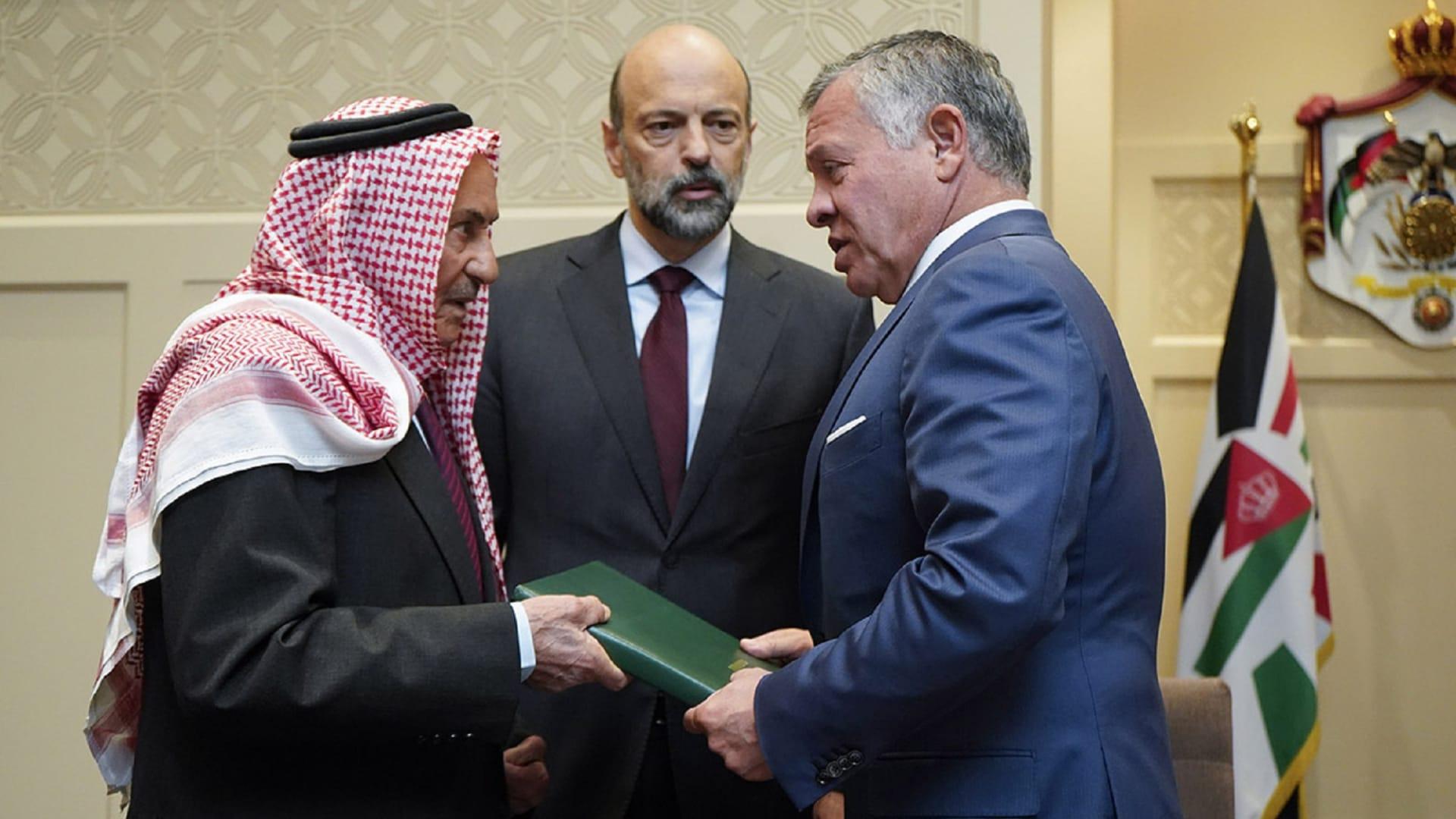ملك الأردن يتسلم التقرير النهائي لسيول البحر الميت: الموضوع مهم جدا
