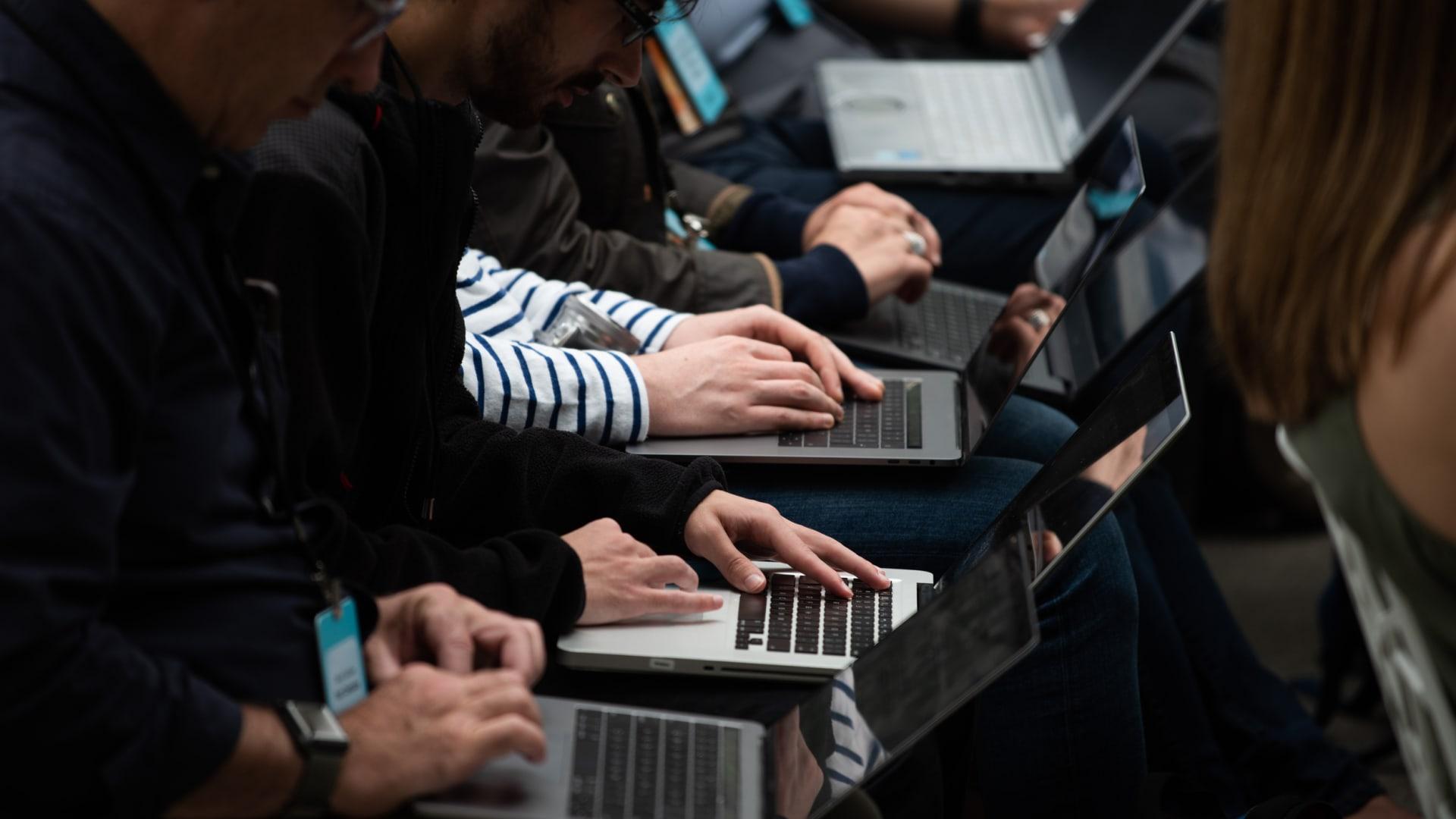 ما هي أهمية استحداث موقع إلكتروني للشركات؟