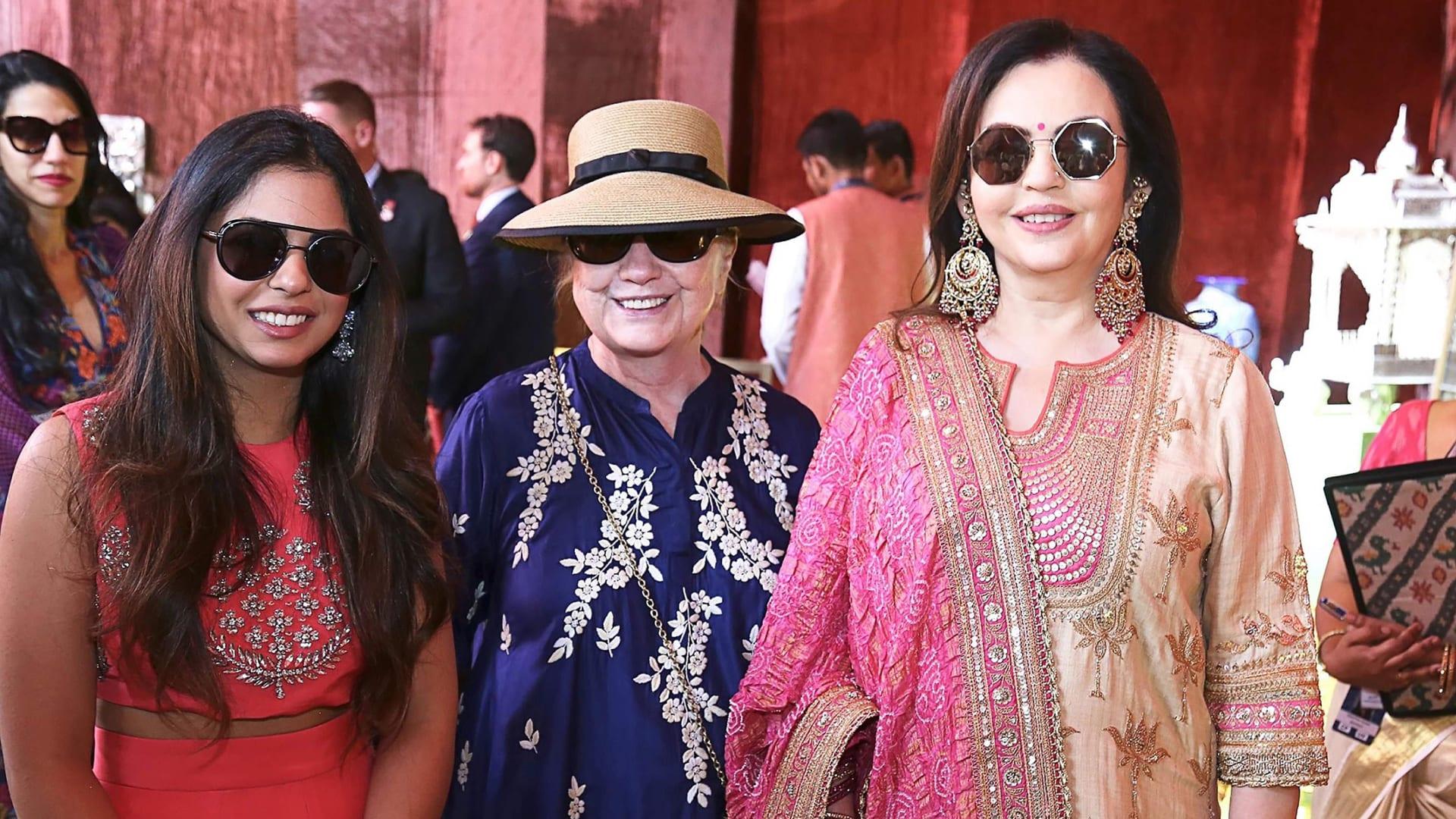 حضرت هيلاري كلينتون حفل الزفاف أيضاً.