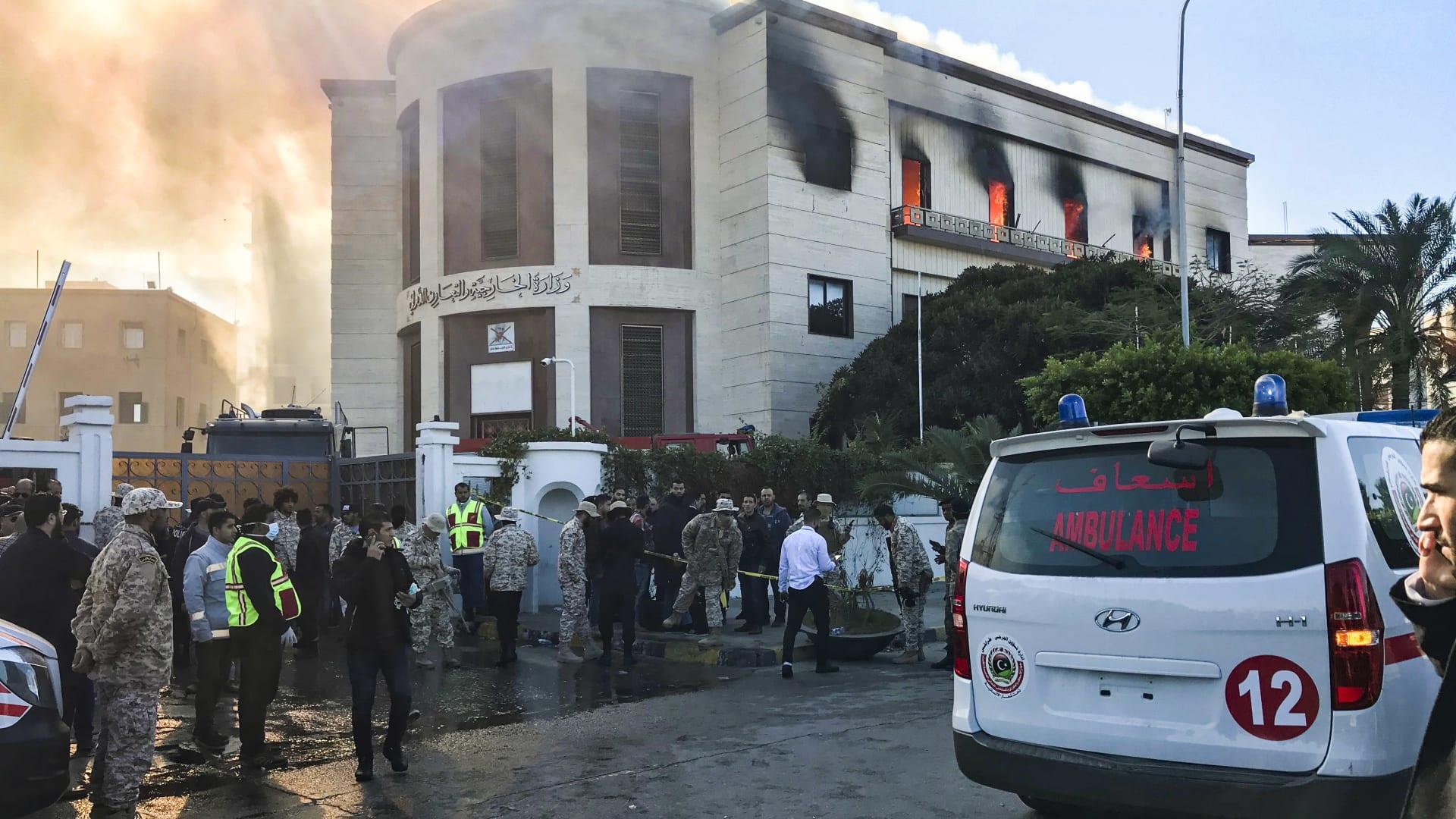 ليبيا: مقتل 3 أشخاص بهجوم على مقر وزارة الخارجية