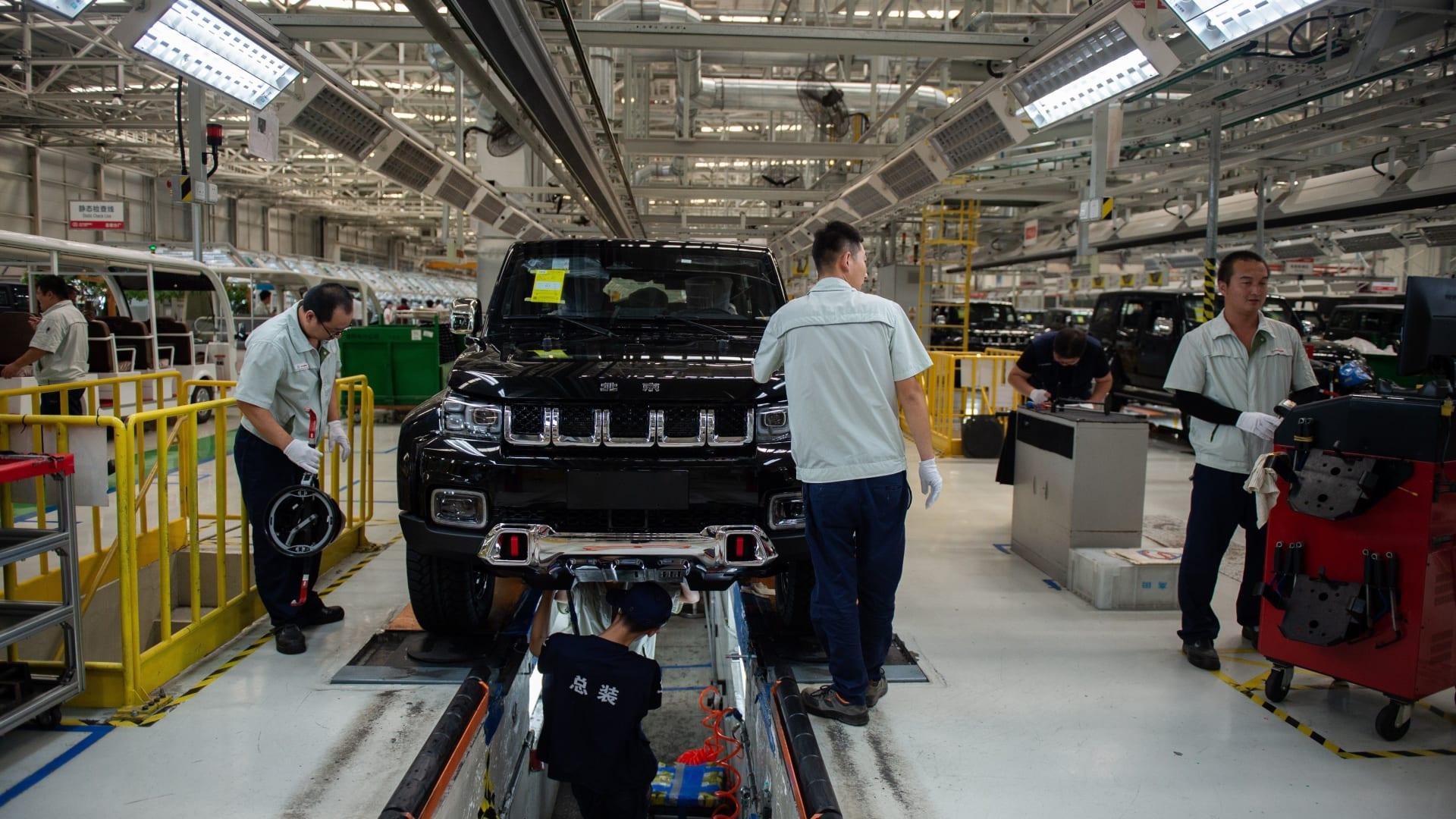مبيعات السيارات في الصين تنخفض لأول مرة منذ 20 عامًا