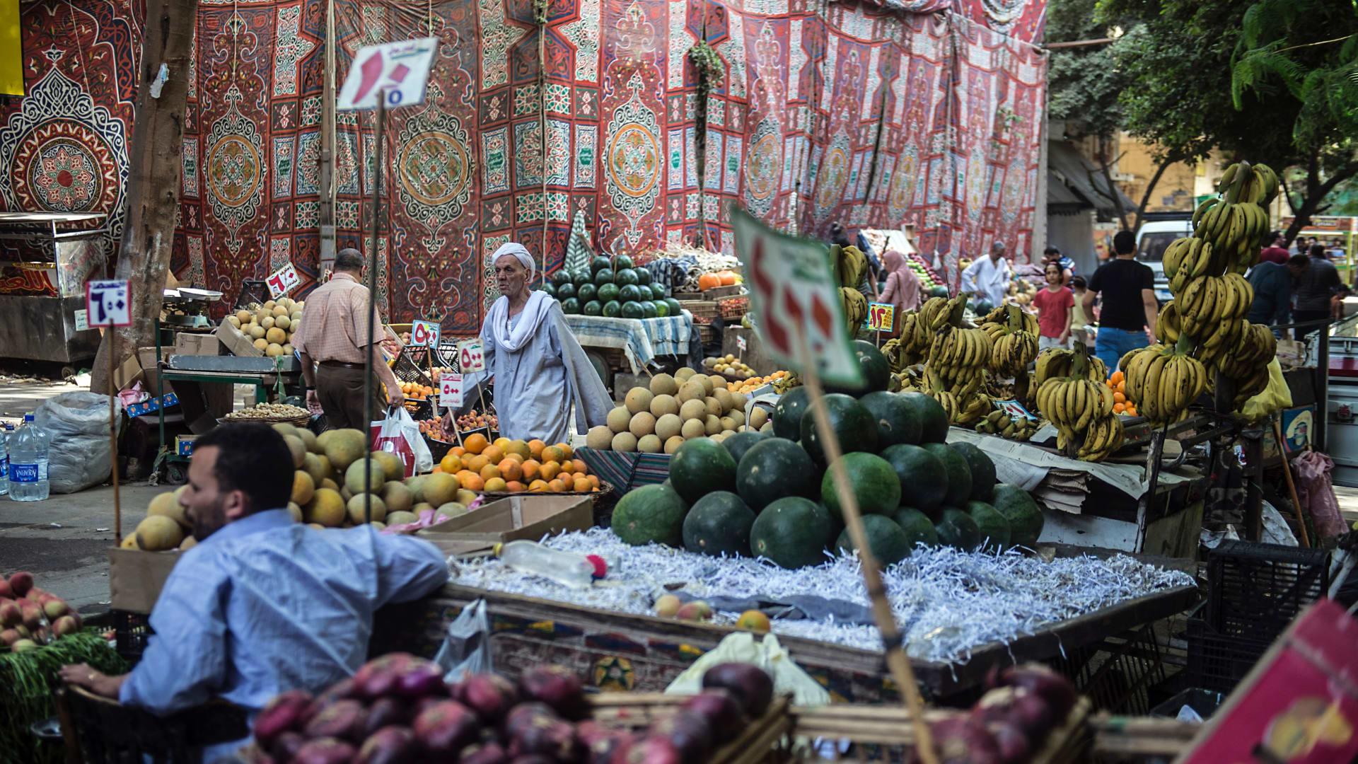 التضخم في مصر يتراجع لـ11% في ديمسبر.. وخبير يوضح السبب لـ CNN
