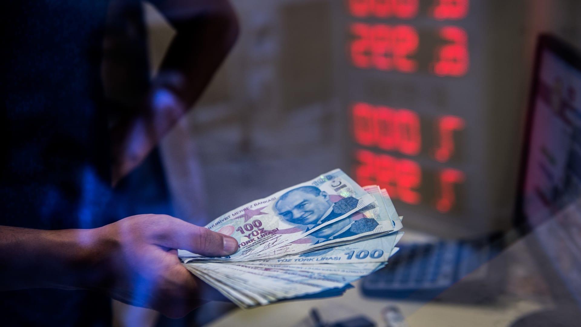 ما هي العلامات السبعة لانهيار الاقتصاد؟