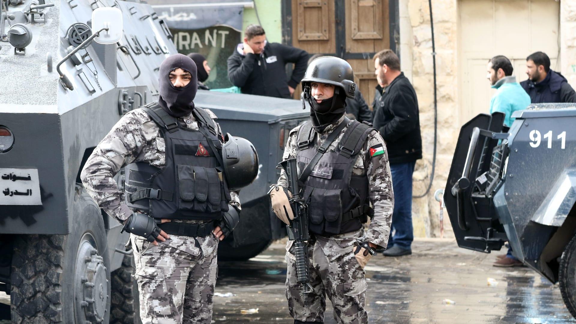 الأردن: مقتل ضابطين بالأمن في انفجارين لألغام تعود إلى أحداث خلية الفحيص