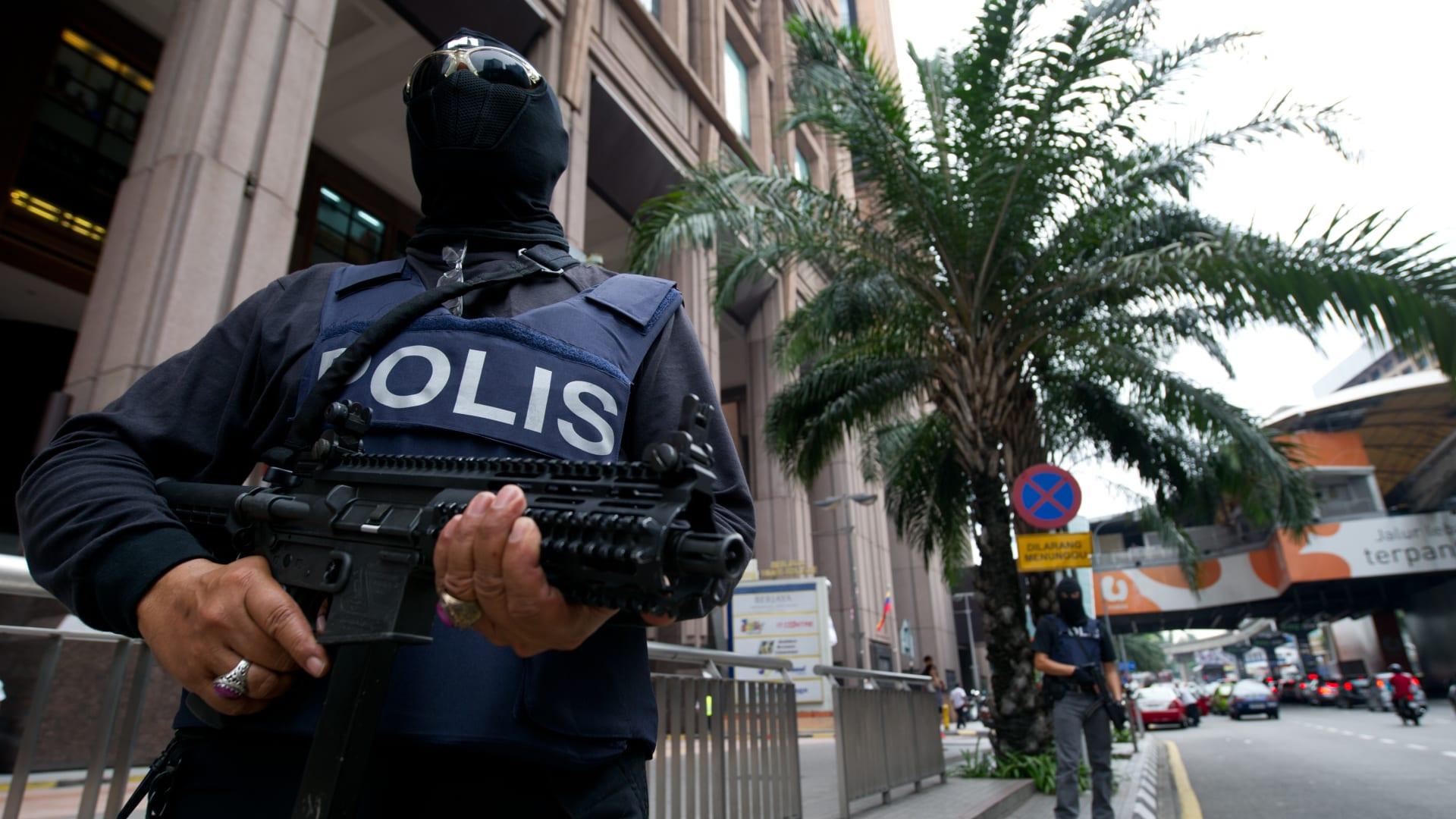 ماليزيا تعلن ترحيل 6 مصريين للاشتباه بصلتهم بمنظمات إرهابية