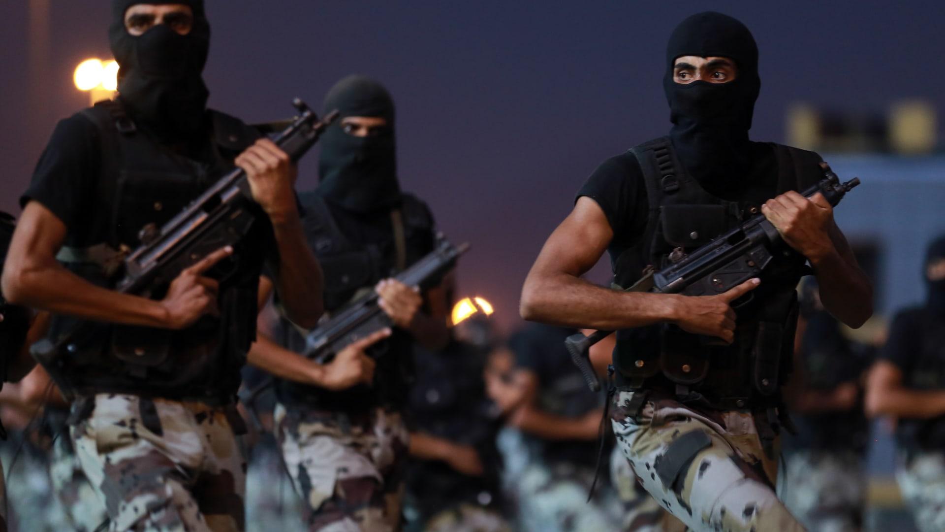 """أمن الدولة السعودي يكشف تفاصيل عملية """"استباقية"""" في القطيف.. ومقتل مطلوبين"""