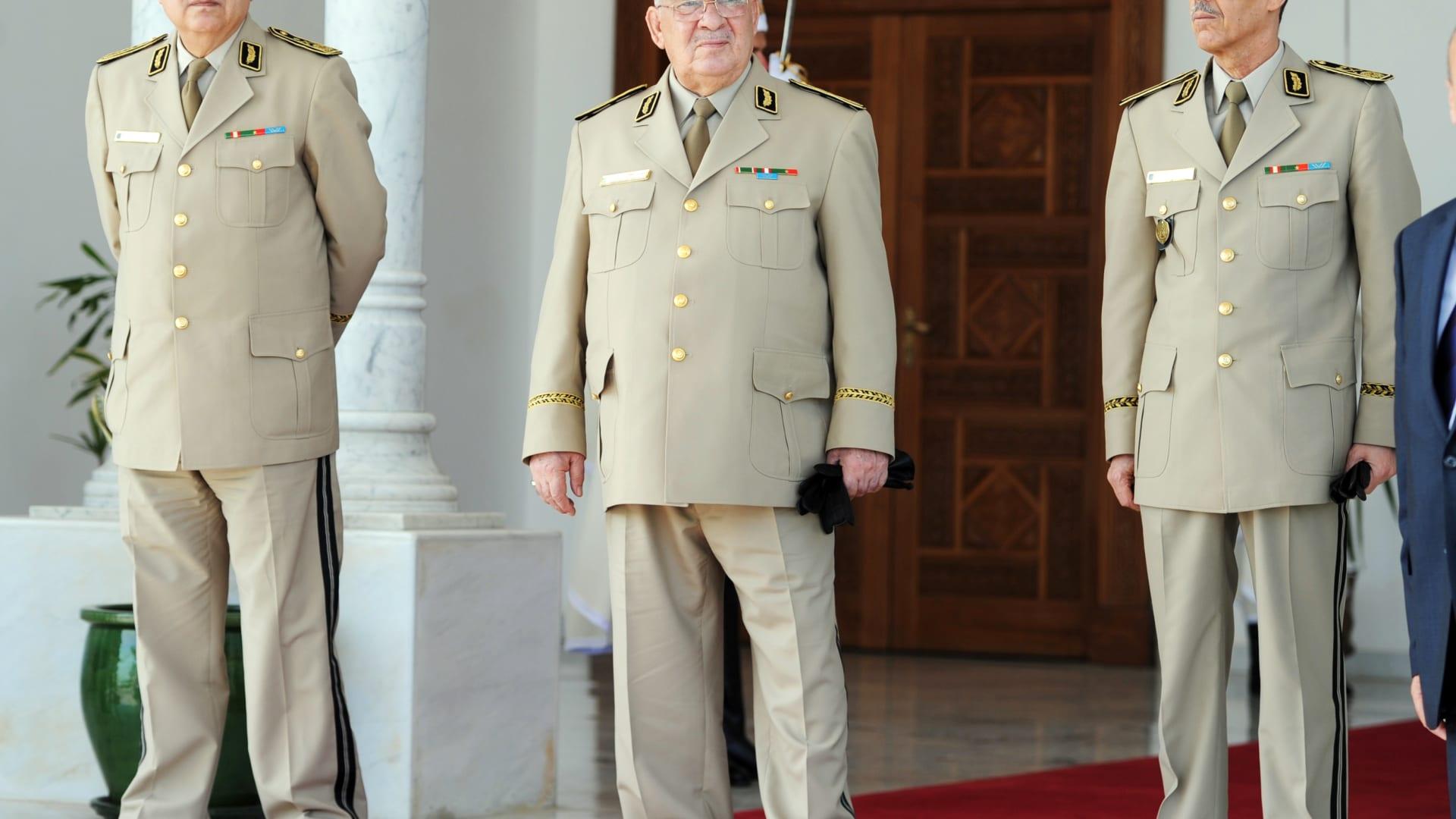 أول تعليق من الجيش الجزائري بعد تنصيب بن صالح رئيسا مؤقتا