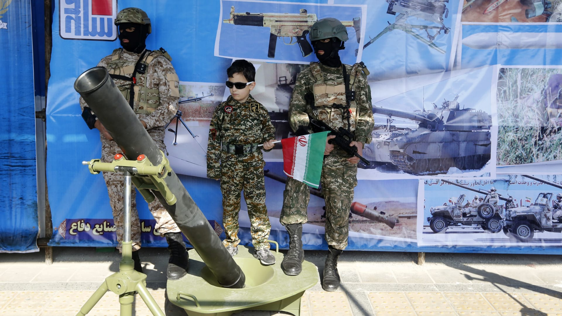 """خالد بن سلمان يهاجم إيران من روسيا و""""رؤية 1979"""""""