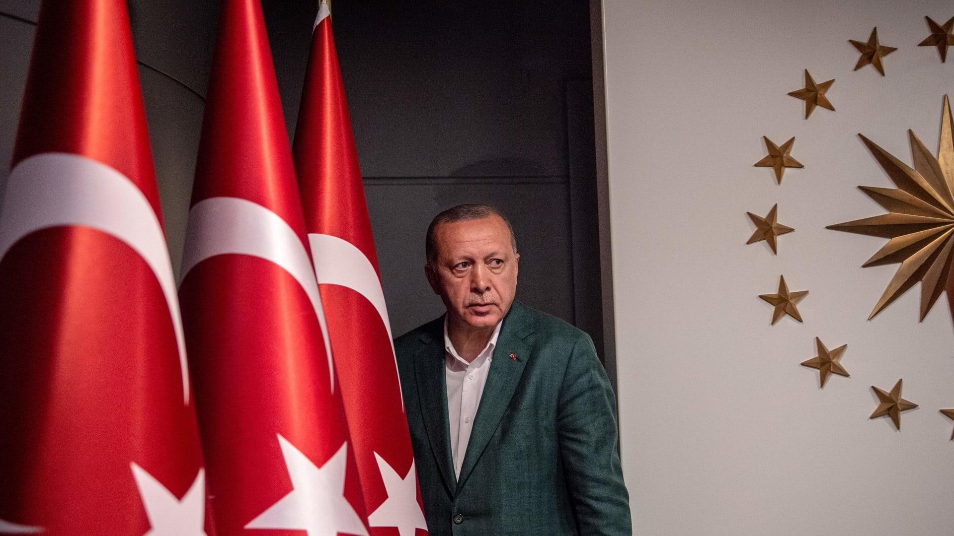 """تحدث عن """"الأسهم السامة"""".. أردوغان: سنواصل """"النضال"""" من أجل انتخابات إسطنبول"""