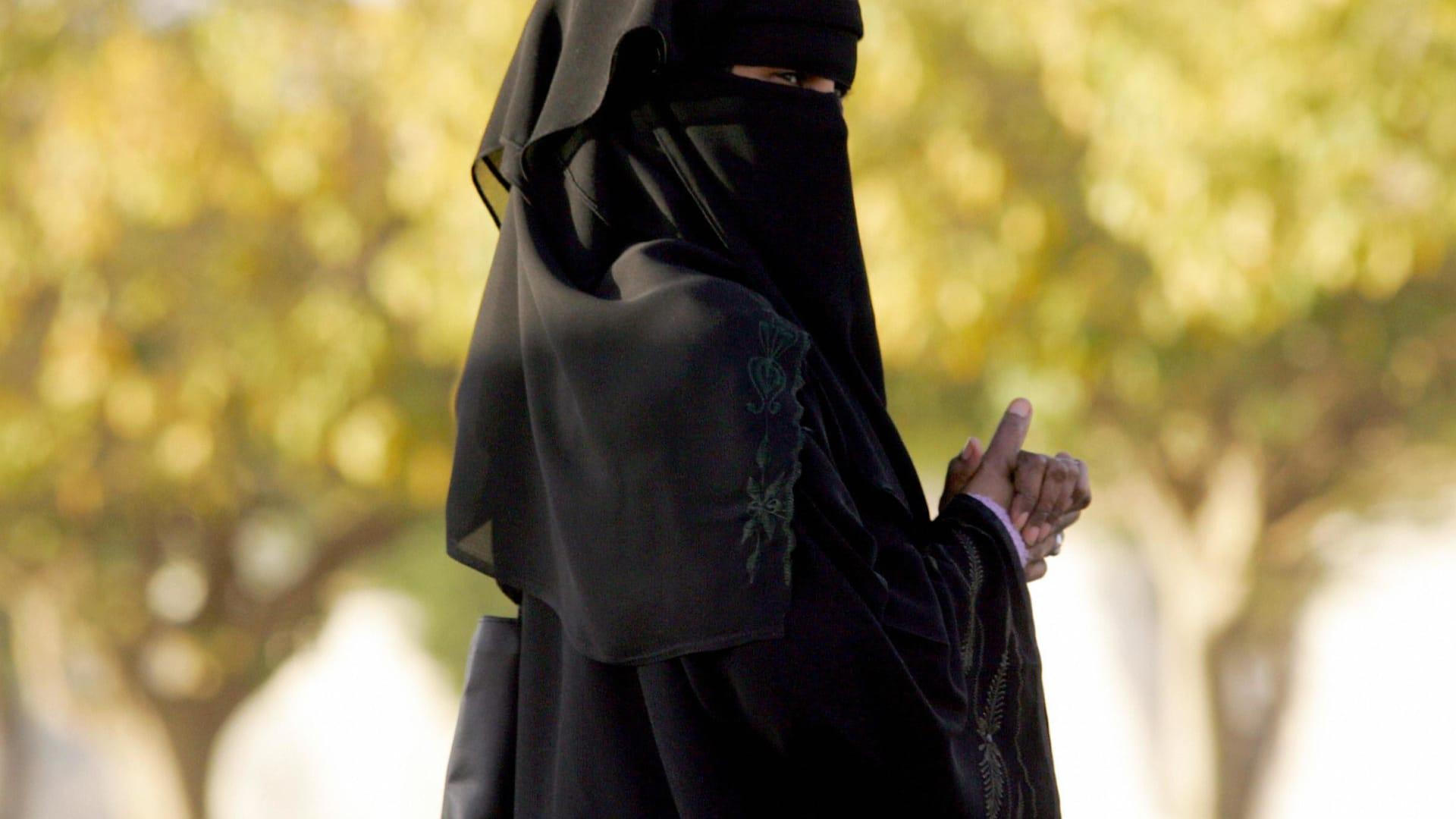 """فيديو """"تحرش جنسي بفتاه الدمام"""" بعد تقارير ضبط """"متحرش القصيبي"""" في السعودية"""