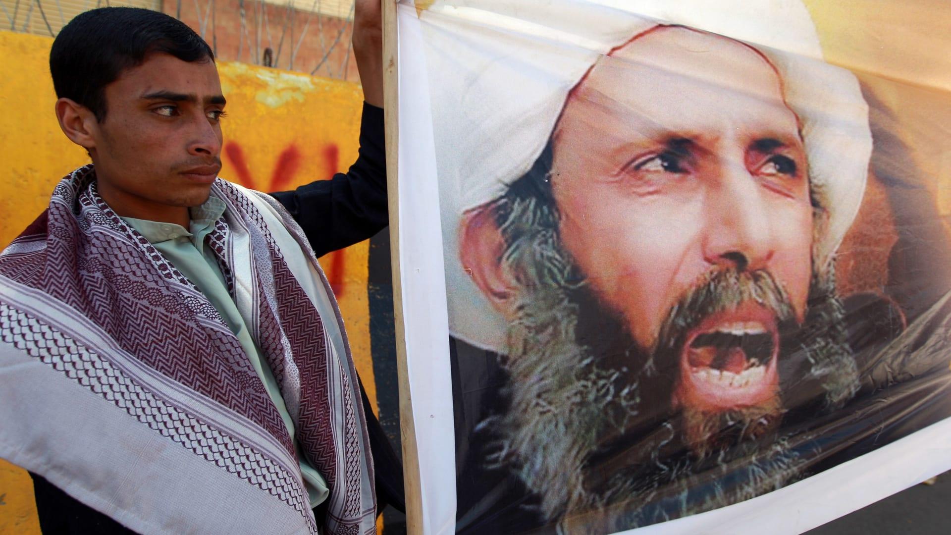 """مؤلف كتاب الانقلاب يتحدث عن نمر النمر والشيرازية وسجناء """"إدارة الوقت"""" ويوجه رسالة لولي عهد السعودية محمد بن سلمان"""