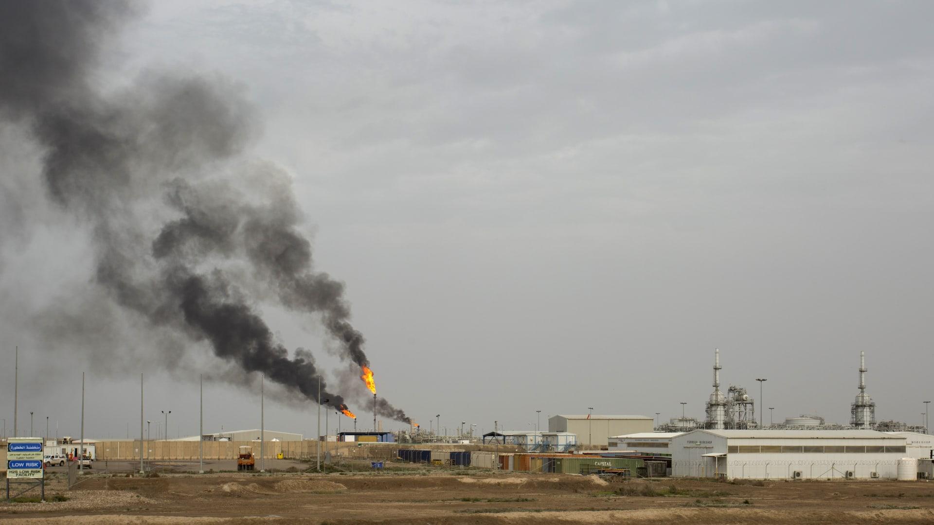 مصادر لـCNN: استهداف شركة نفطية بصاروخ كاتيوشا في البصرة بالعراق