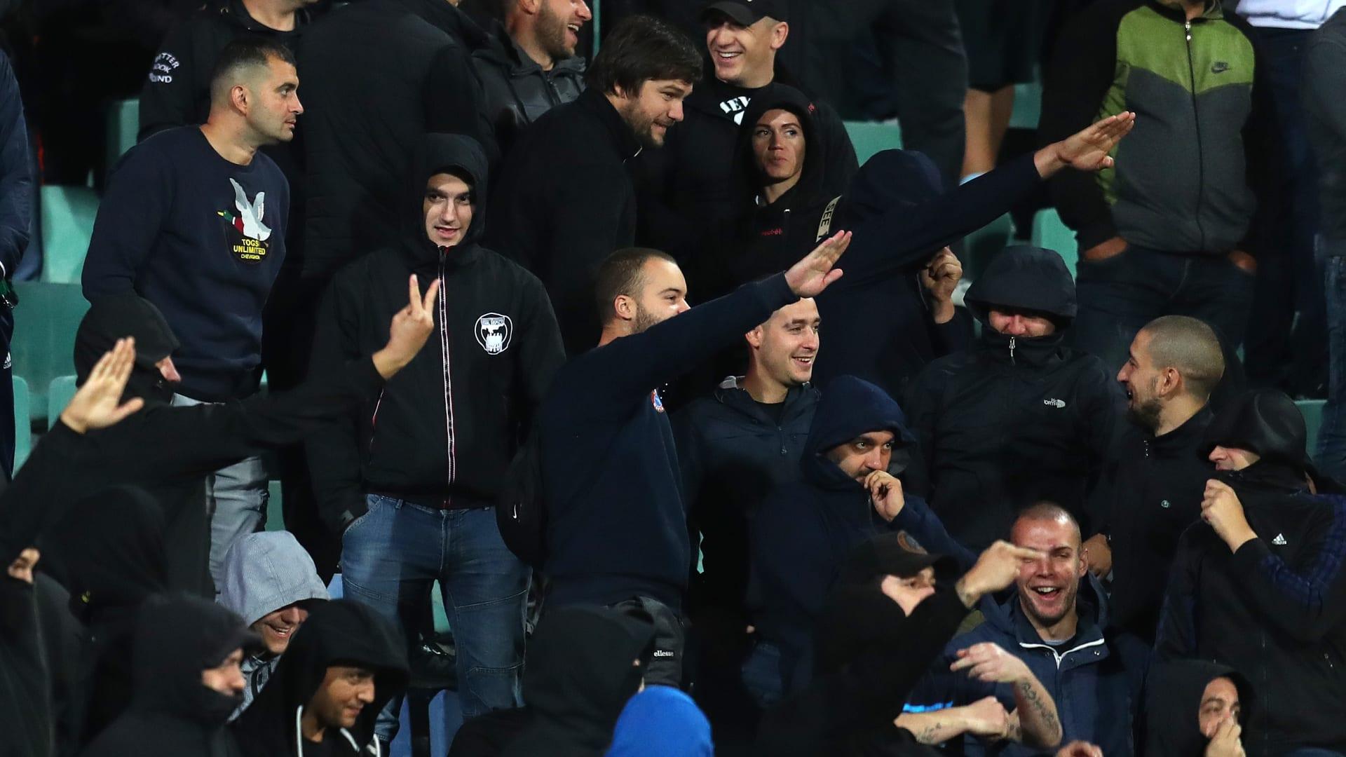 استقالة رئيس اتحاد كرة القدم البلغاري بعد هتافات عنصرية ضد لاعبي إنجلترا