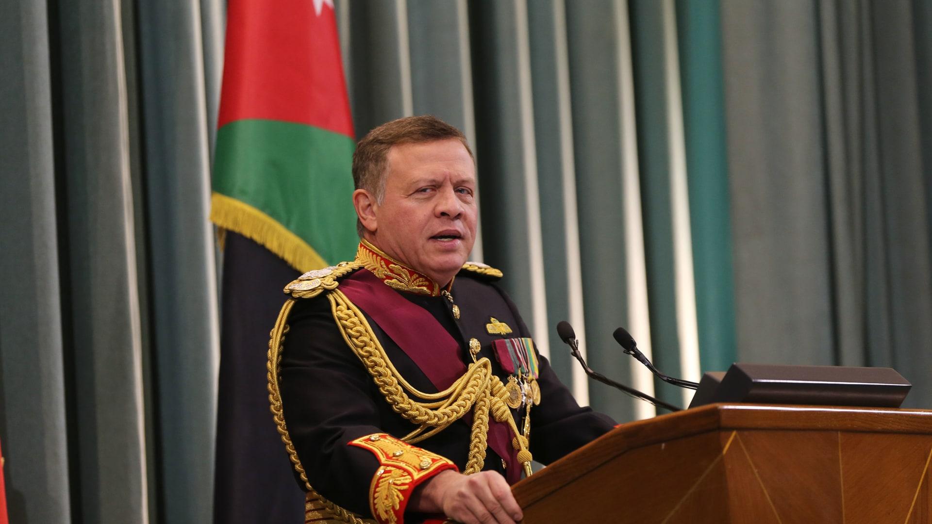 أردنيون يحتفون بزيارة الملك عبدالله لمنطقة الباقورة بعد عودتها للسيادة الأردنية