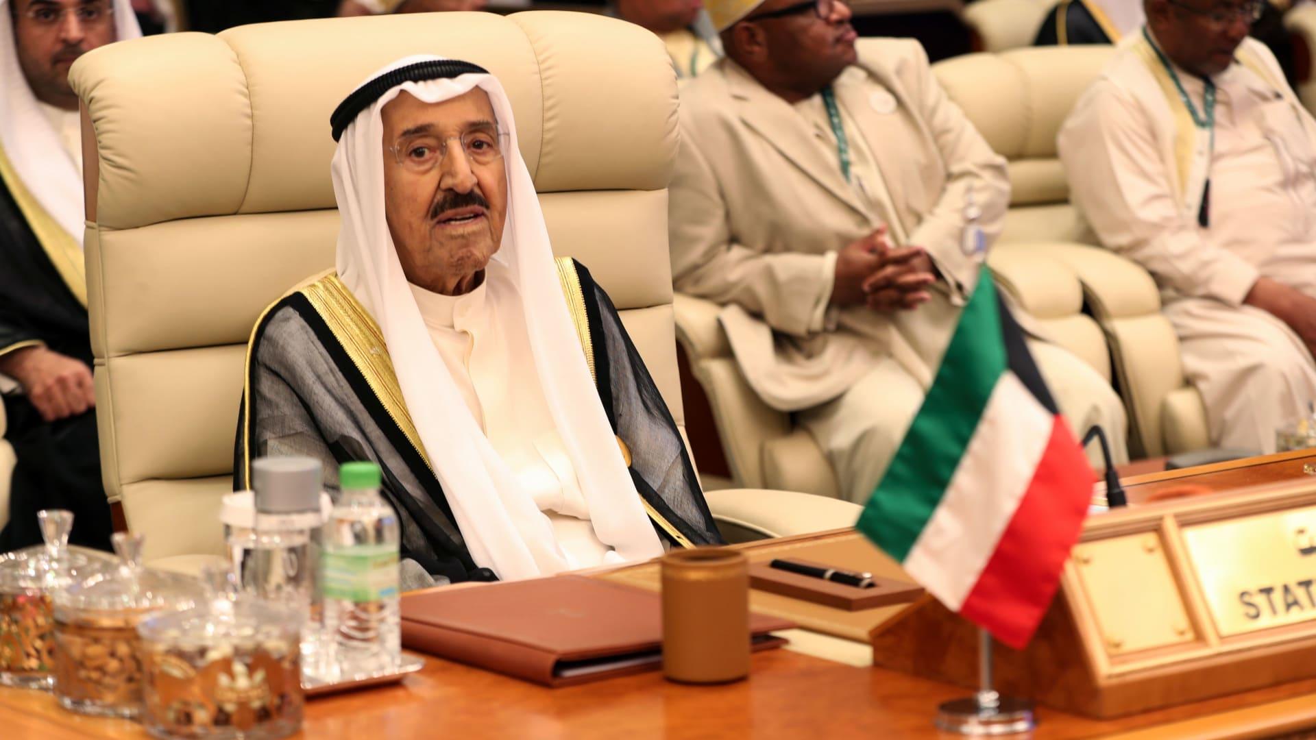 ماذا قال أمير الكويت لسلطان عُمان لدى تعزيته بوفاة قابوس بن سعيد؟