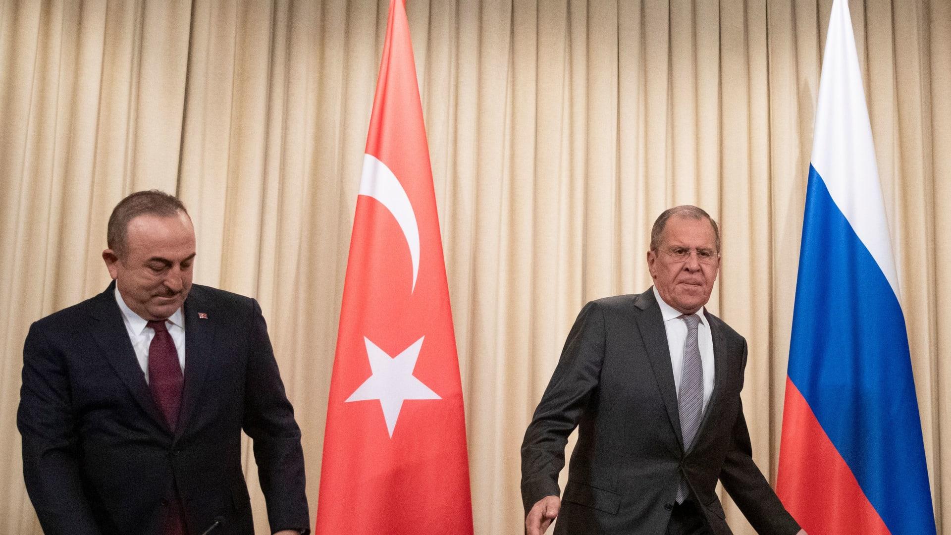 لافروف يكشف ما أفضت إليه المفاوضات بين السراج وحفتر في موسكو
