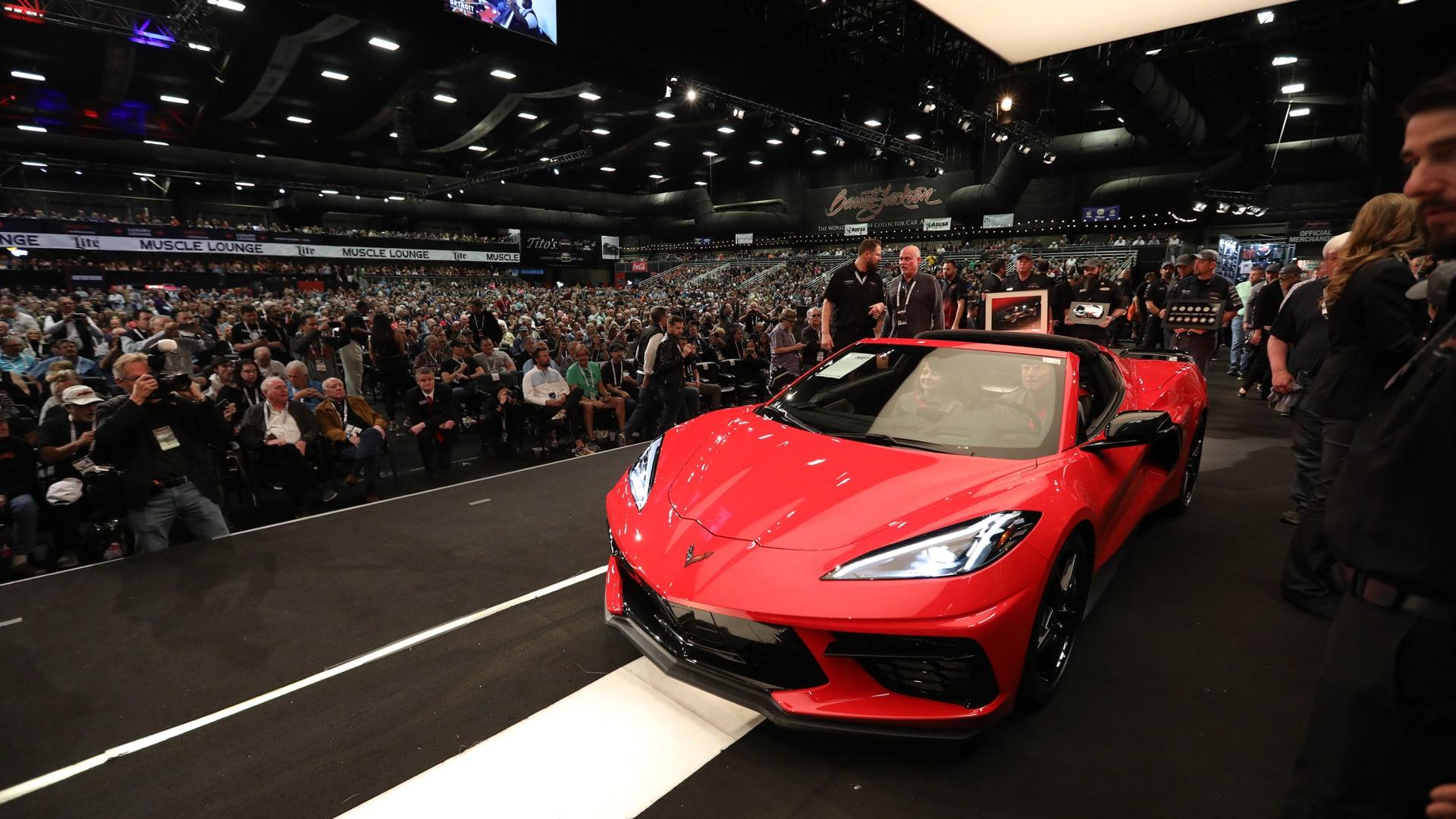 أول سيارة كورفيت من طراز 2020 تباع في مزاد مقابل 3 ملايين دولار
