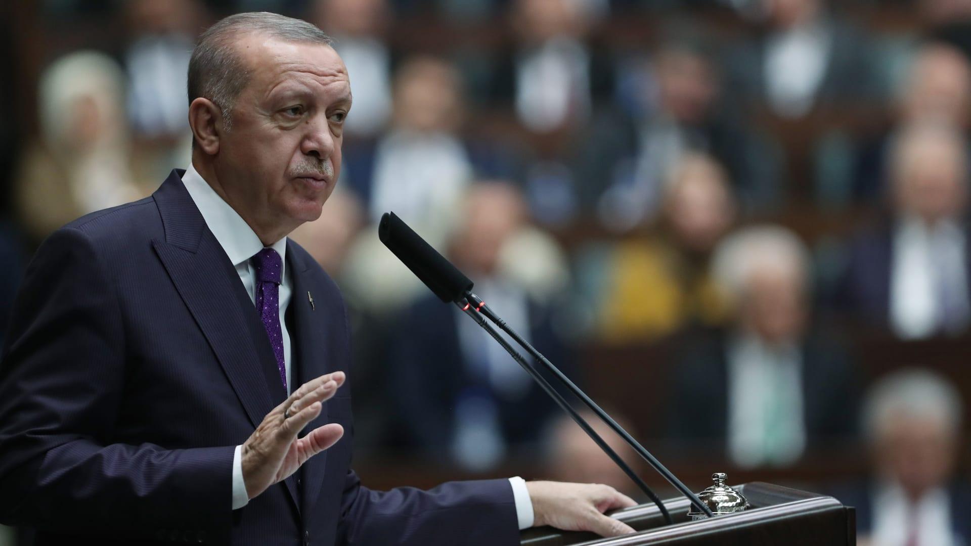 """سوريا تشن هجوما شرسا على أردوغان وتتهمه بـ""""الكذب والتضليل"""": لا يكافح الإرهاب بل يدعمه"""