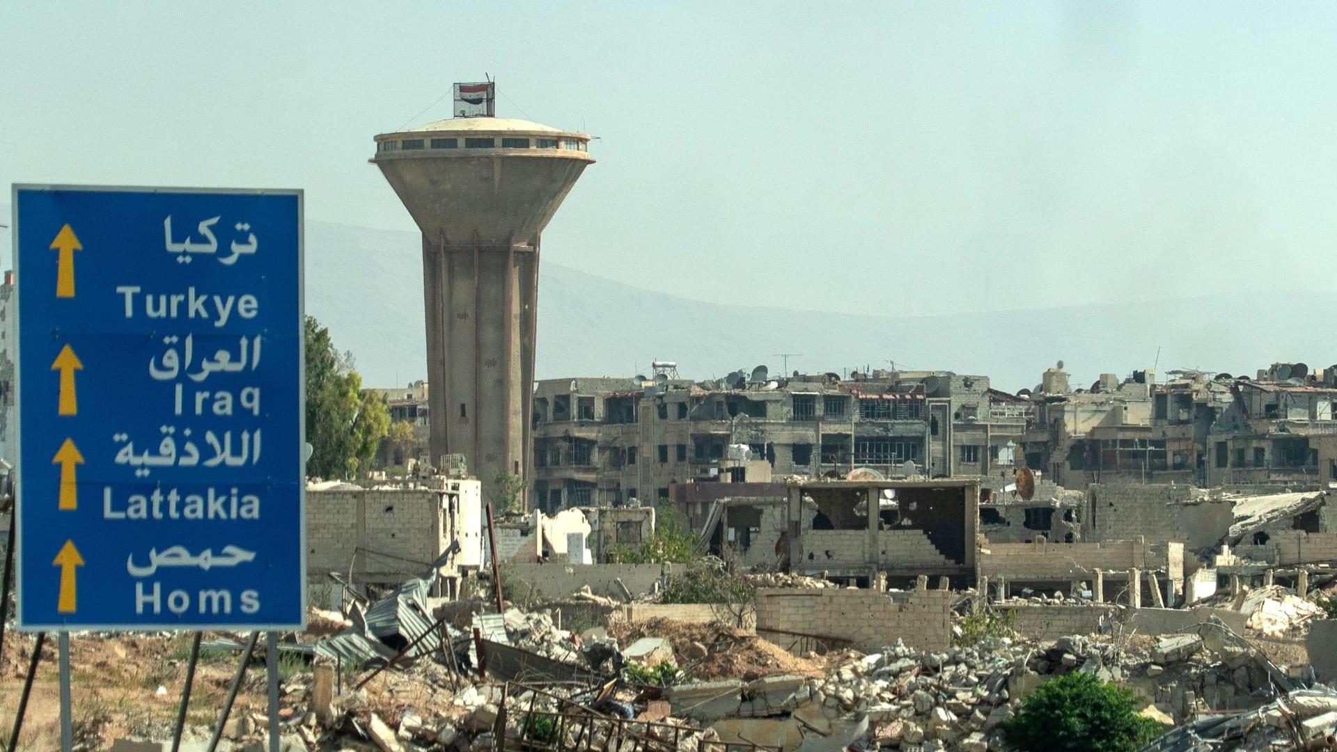 بينهم عسكريين.. اكتشاف مقبرة جماعية تضم 70 جثة في غوطة دمشق الشرقية