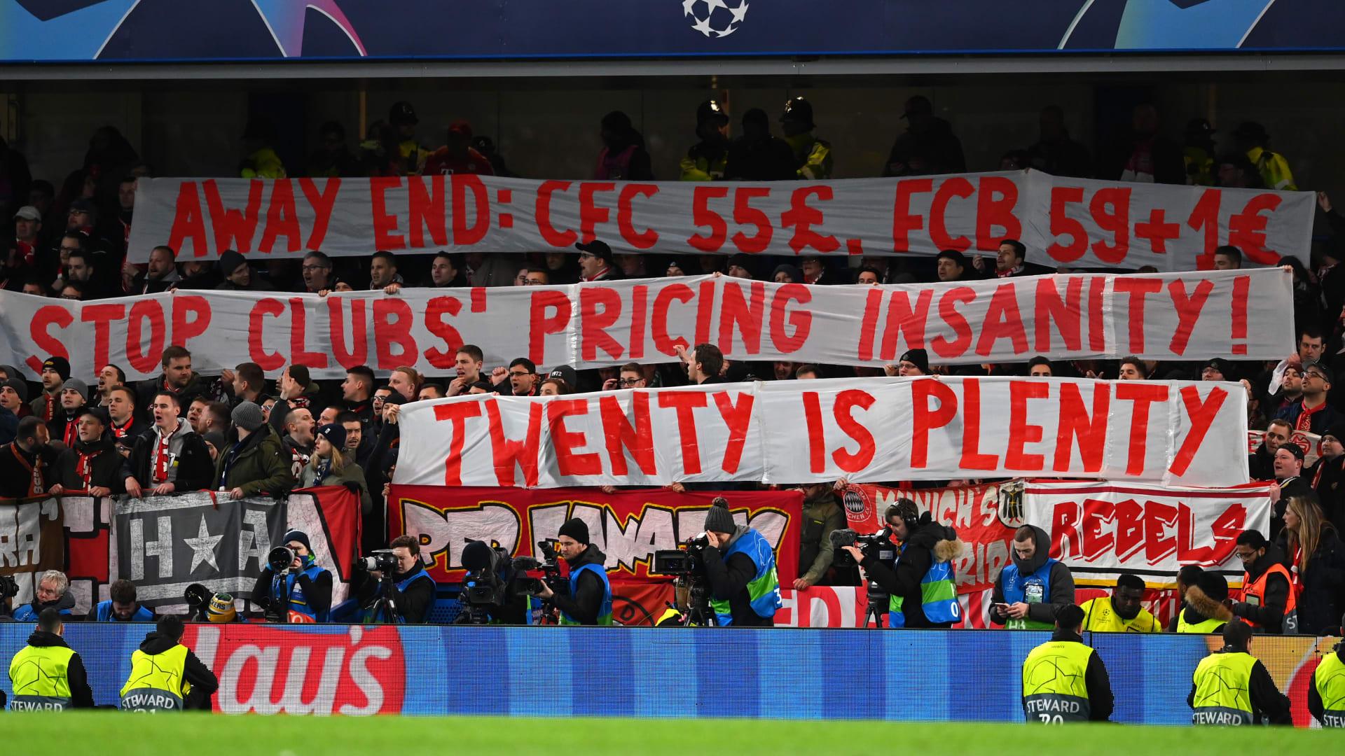 مشجعو بايرن ميونيخ يحتجون على أسعار تذاكر دوري أبطال أوروبا خلال لقاء تشيلسي