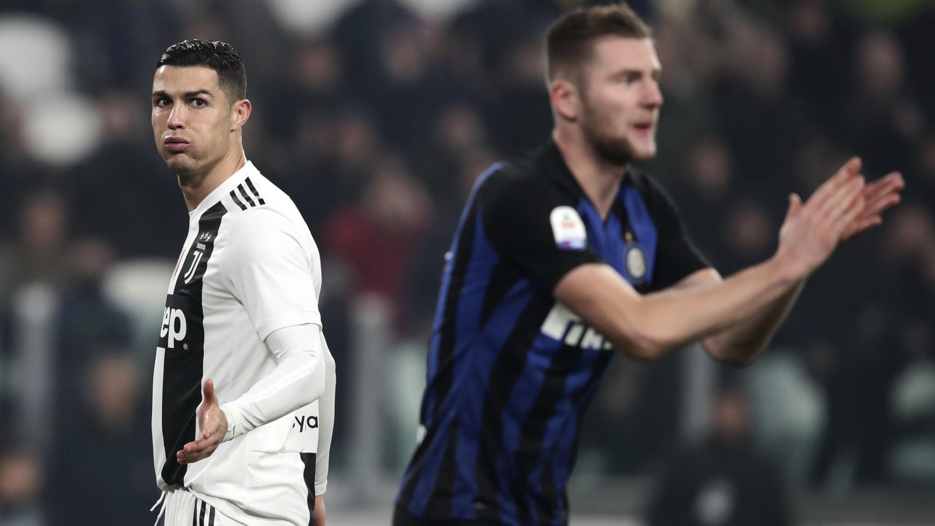 وزير الرياضة الإيطالي: يجب تعليق مباريات الدوري لمنع تفشي كورونا