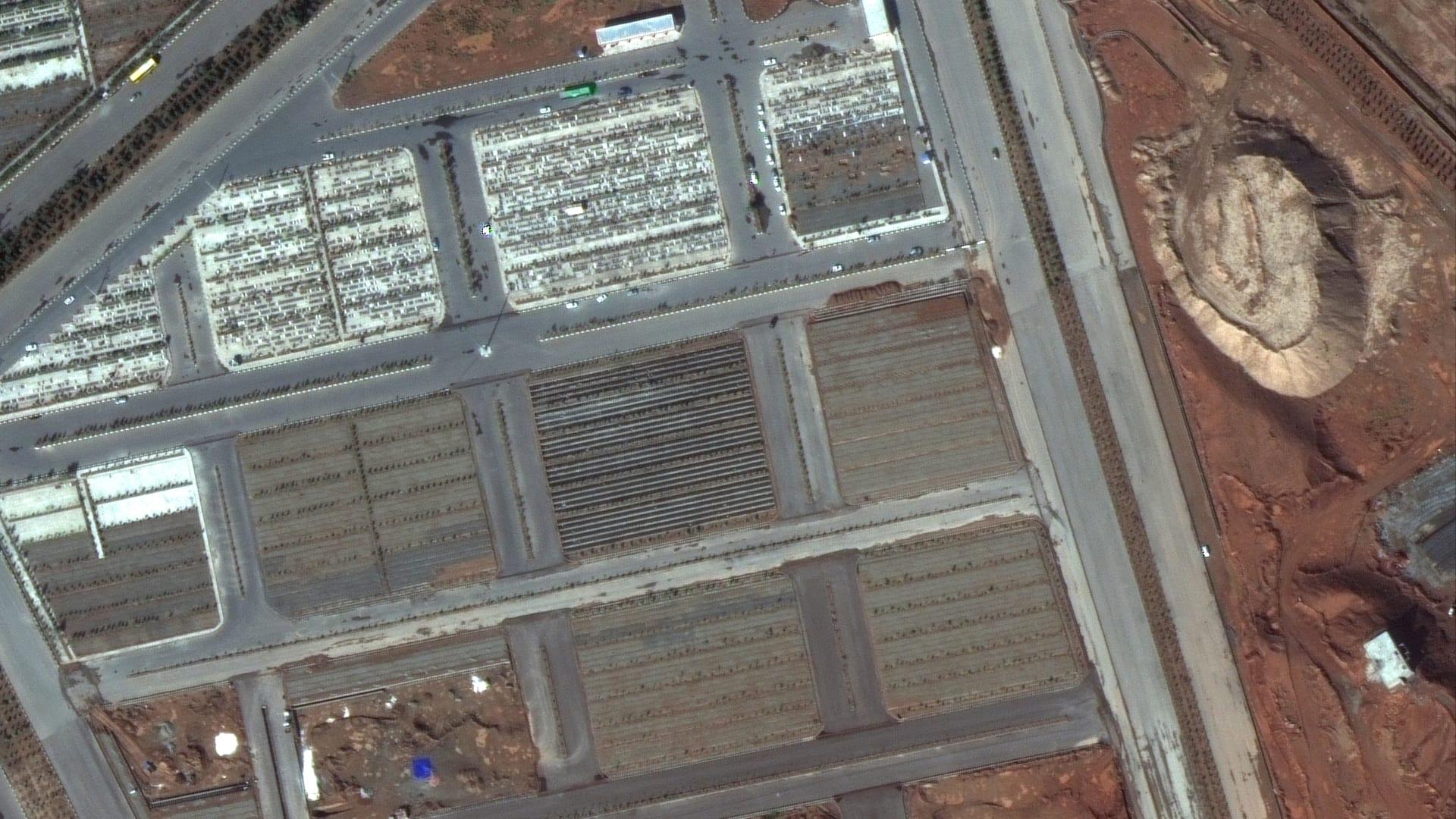 مقابر ضحايا فيروس كورونا في إيران.. صور أقمار صناعية تكشف حجم الكارثة