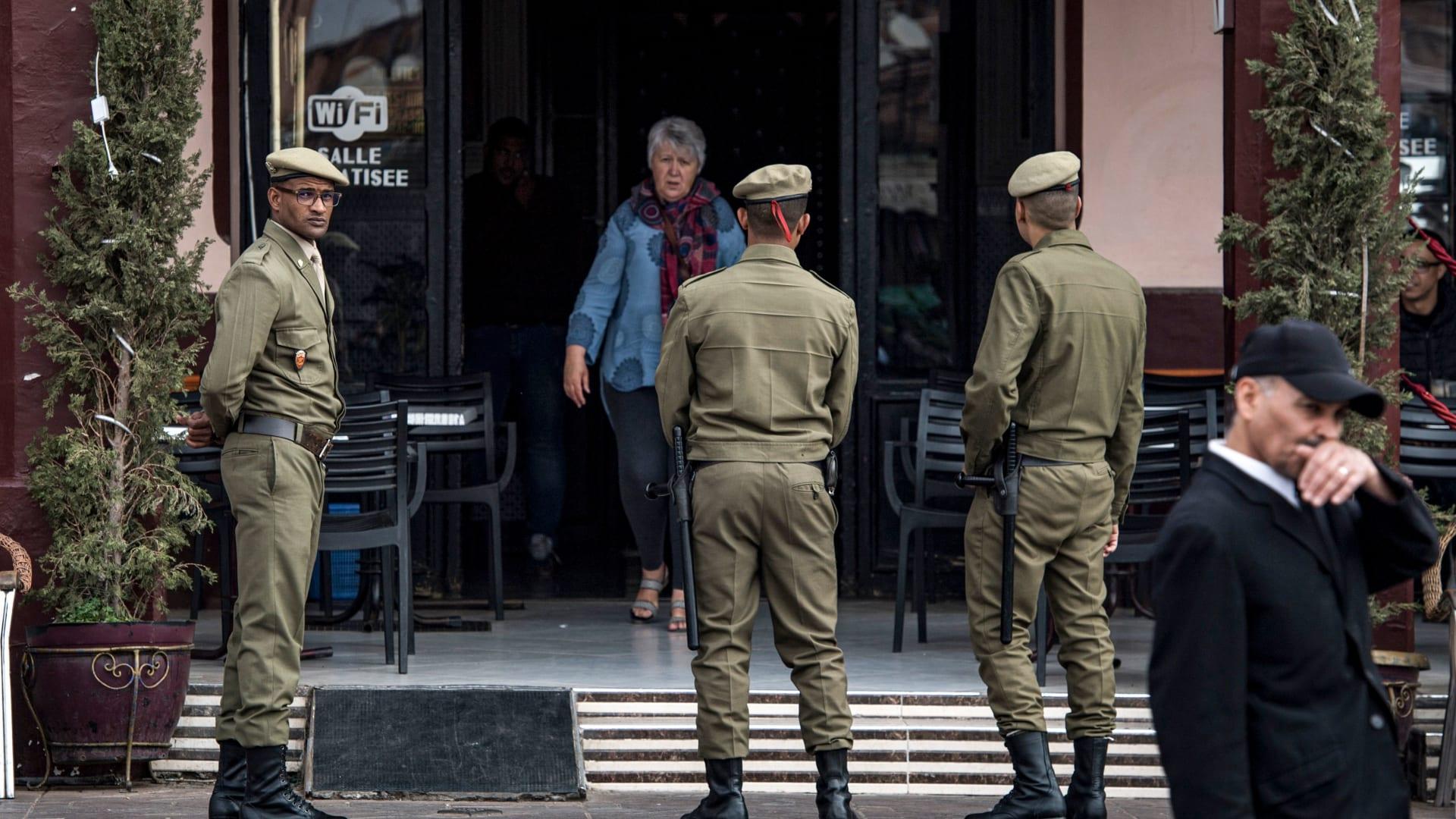 """المغرب تعلن حالة الطوارىء الصحية وتحظر الحركة في الشوارع دون """"موافقة رسمية"""""""