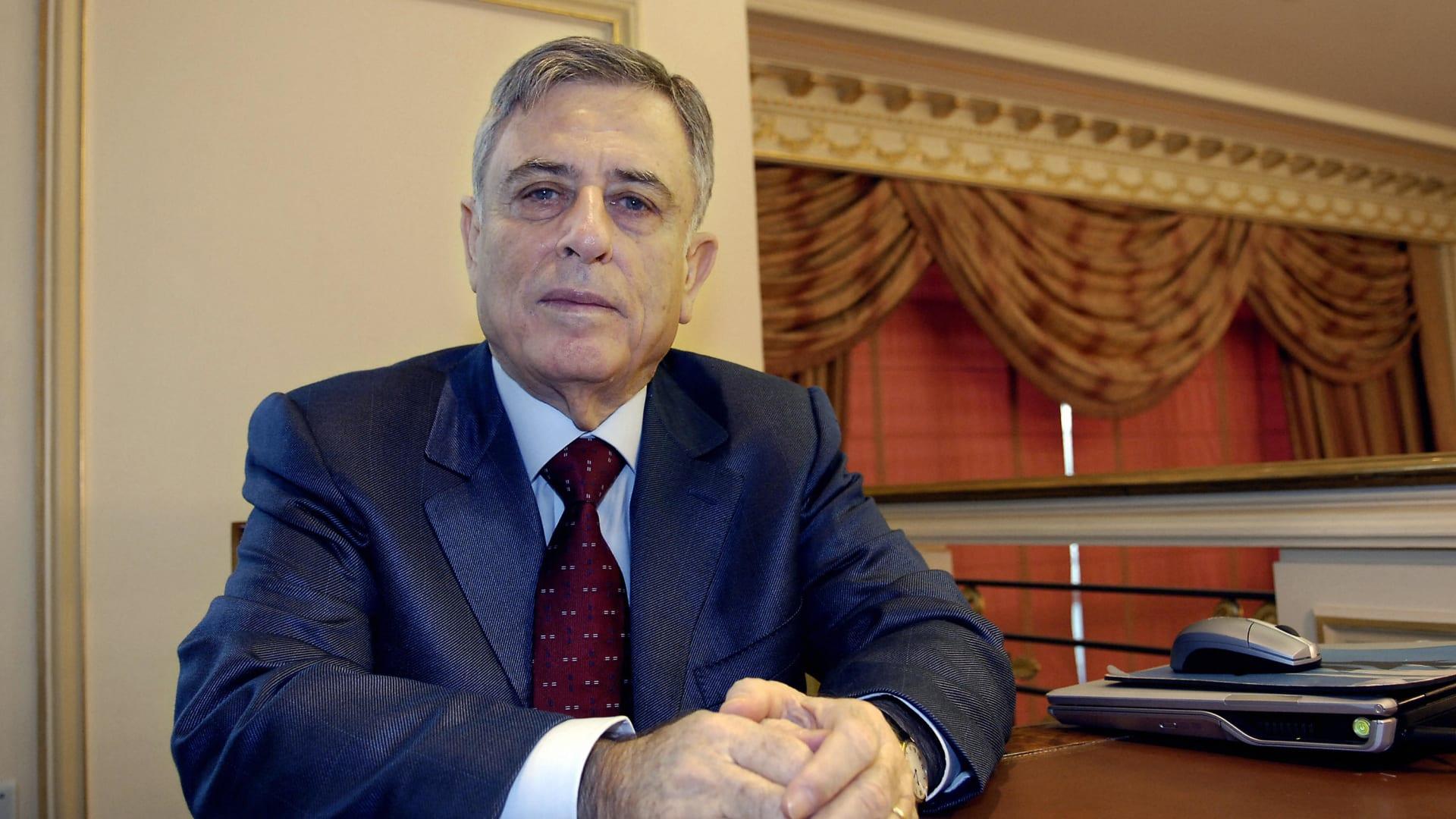 """عبد الحليم خدام.. من رمز لحكم الأسد في سوريا إلى متهم بـ""""الخيانة العظمى"""""""