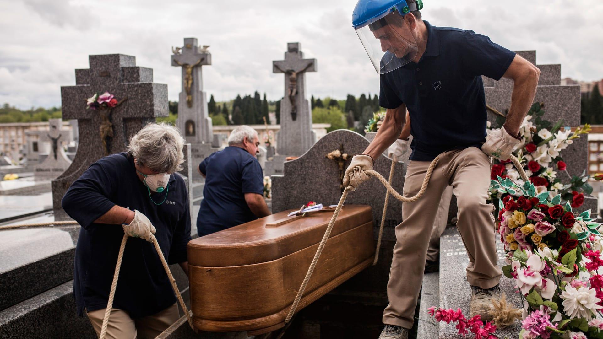 وفيات فيروس كورونا في إسبانيا قد تكون أعلى بكثير من الأرقام الرسمية