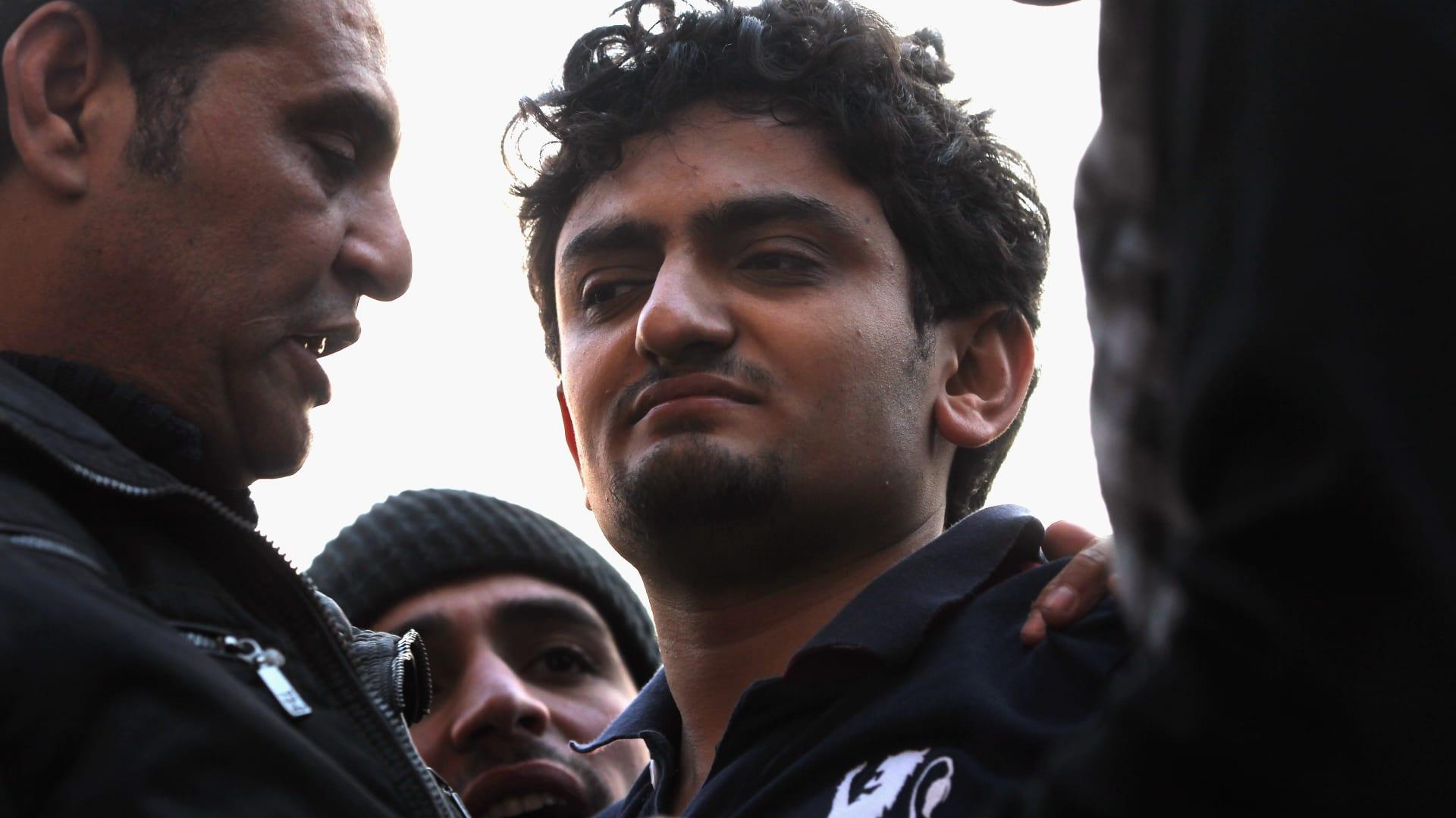 """بعد الجدل الذي أثارته الحلقة الأولى من برنامجه.. وائل غنيم يوجه رسالة لرامز جلال: """"خطر رسمي"""""""
