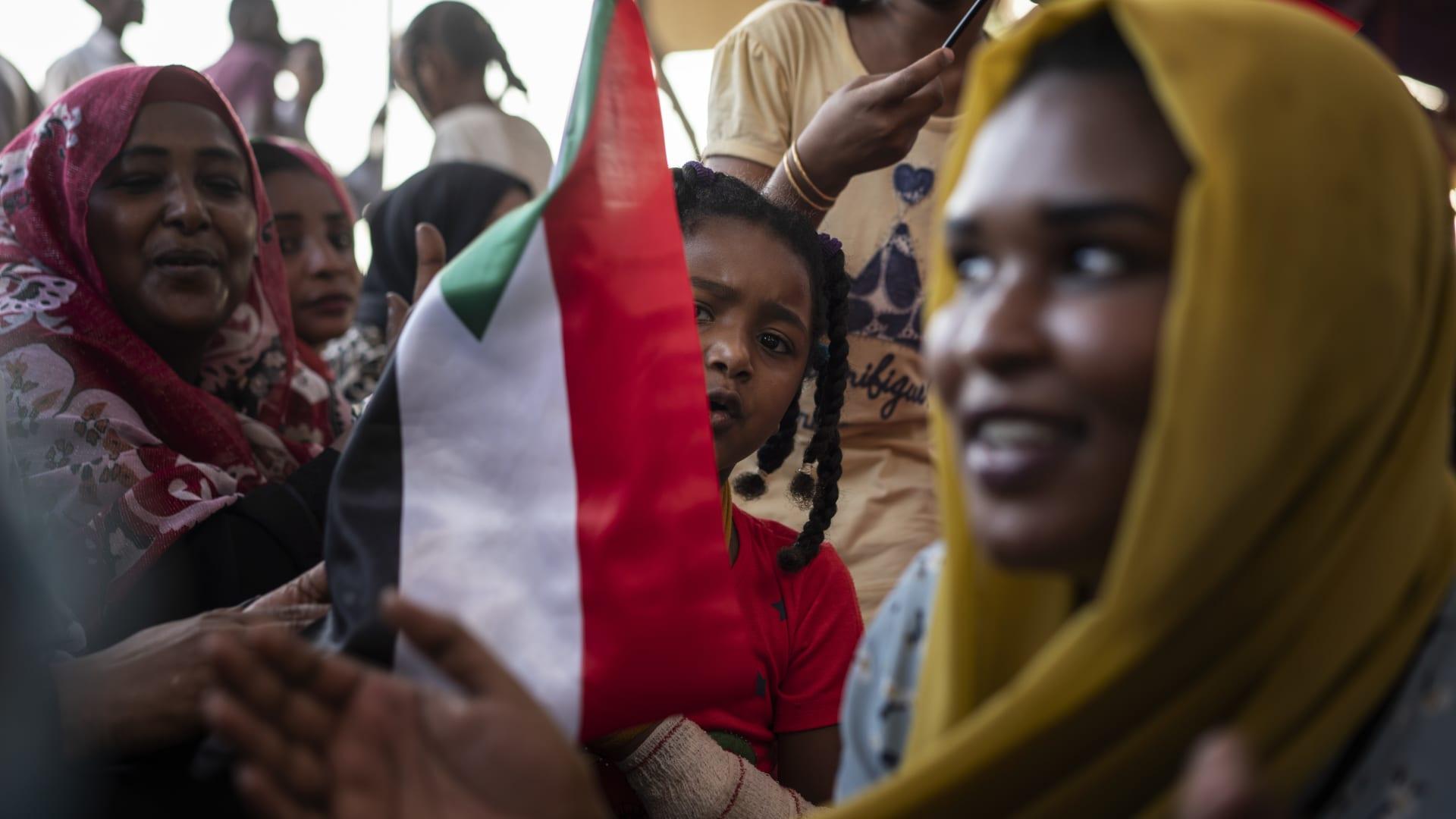 السودان يعلن تجريم ختان الإناث بموجب تشريع قانوني جديد.. واليونسيف ترحب