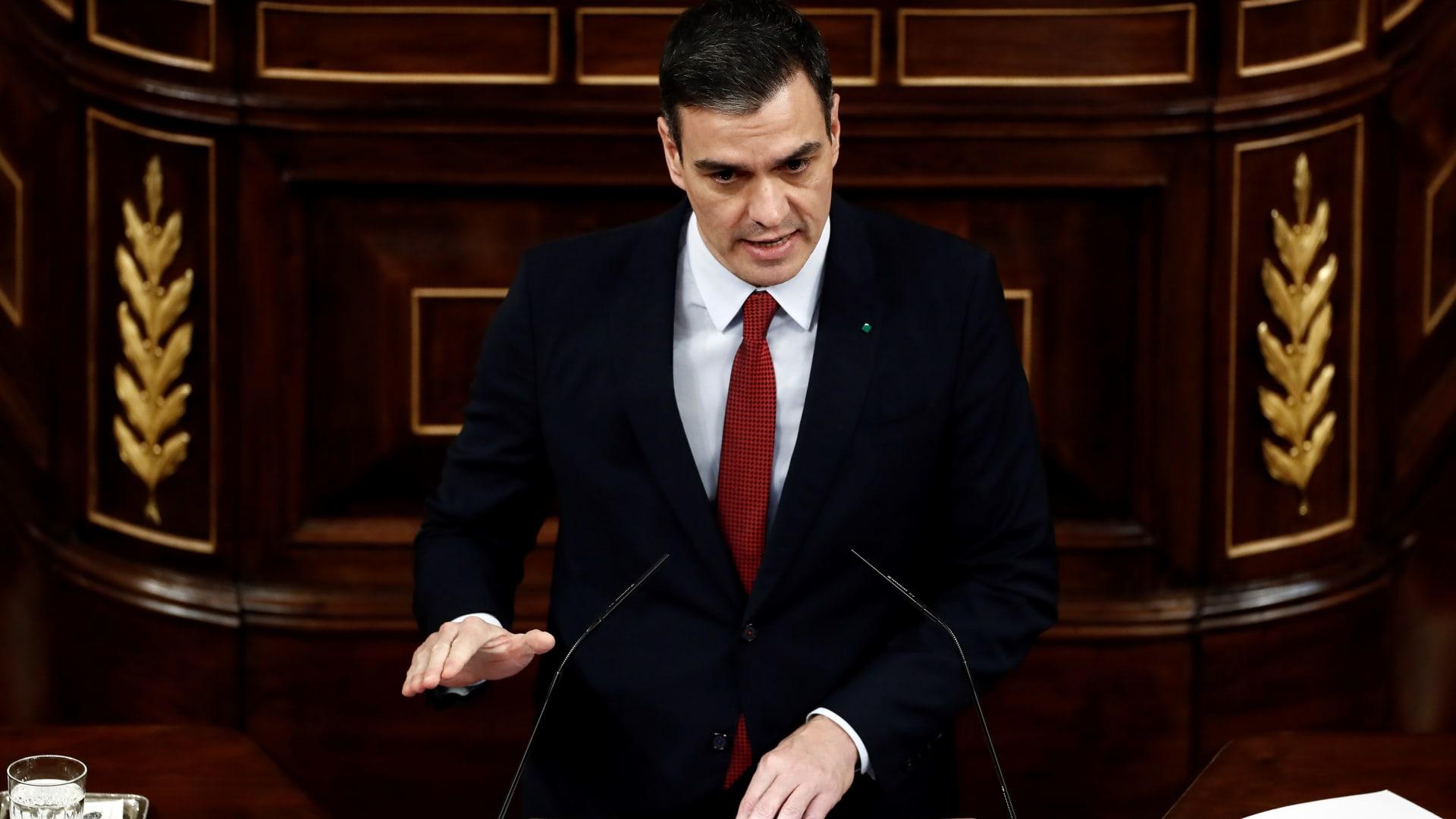رئيس وزراء إسبانيا عن عودة الدوري: من المحتمل مشاهدته عبر التلفزيون بدلاً من الملاعب