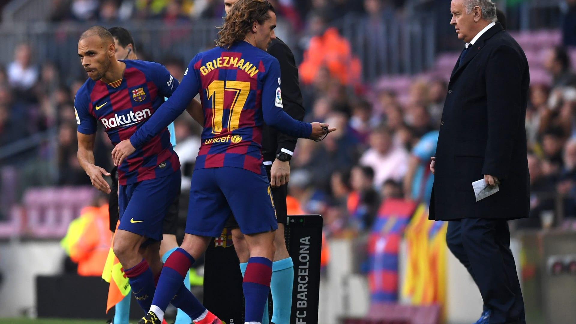الفيفا: 5 تبديلات لكل فريق خلال مباريات كرة القدم لضمان سلامة اللاعبين