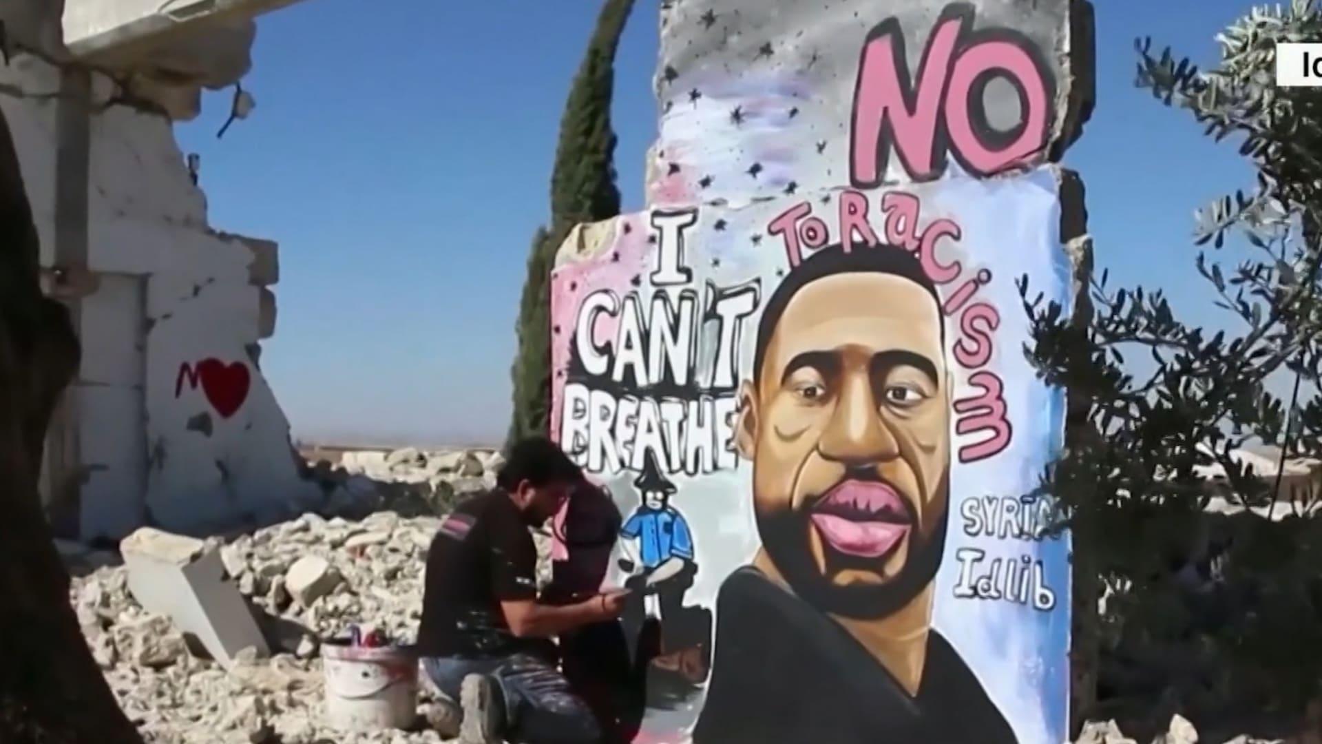 من بينها مدينة إدلب السورية.. لوحات جدارية لتكريم جورج فلويد في كافة أنحاء العالم