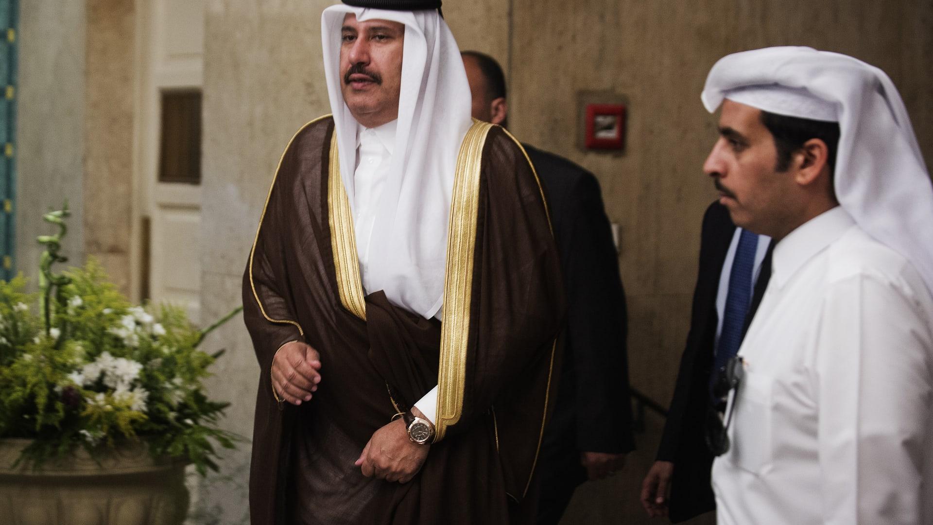 صورة أرشيفية للشيخ حمد بن جاسم رئيس وزراء قطر الأسبق