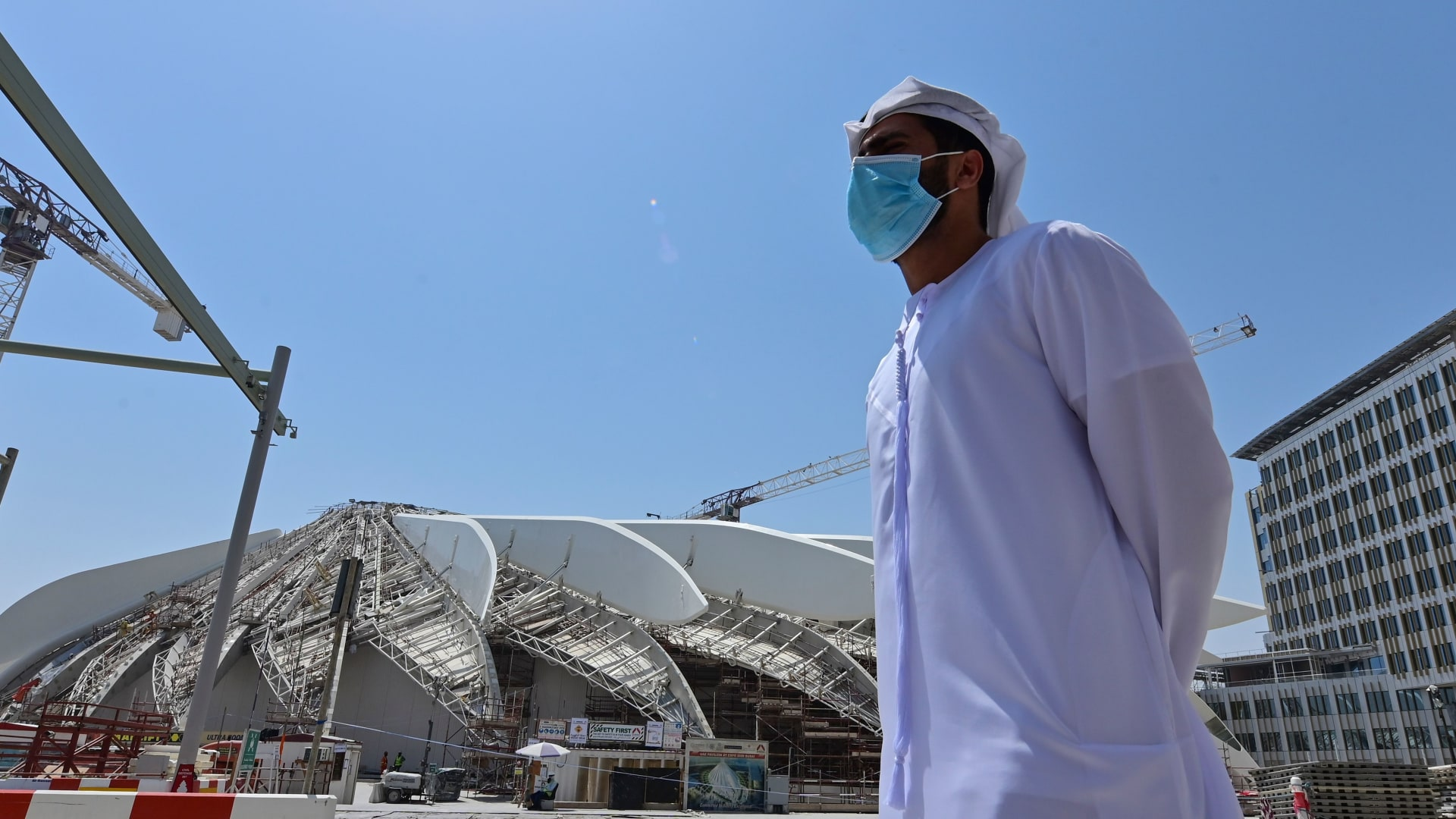 كيف أثرت جائحة كورونا على أنشطة التوظيف في الإمارات؟