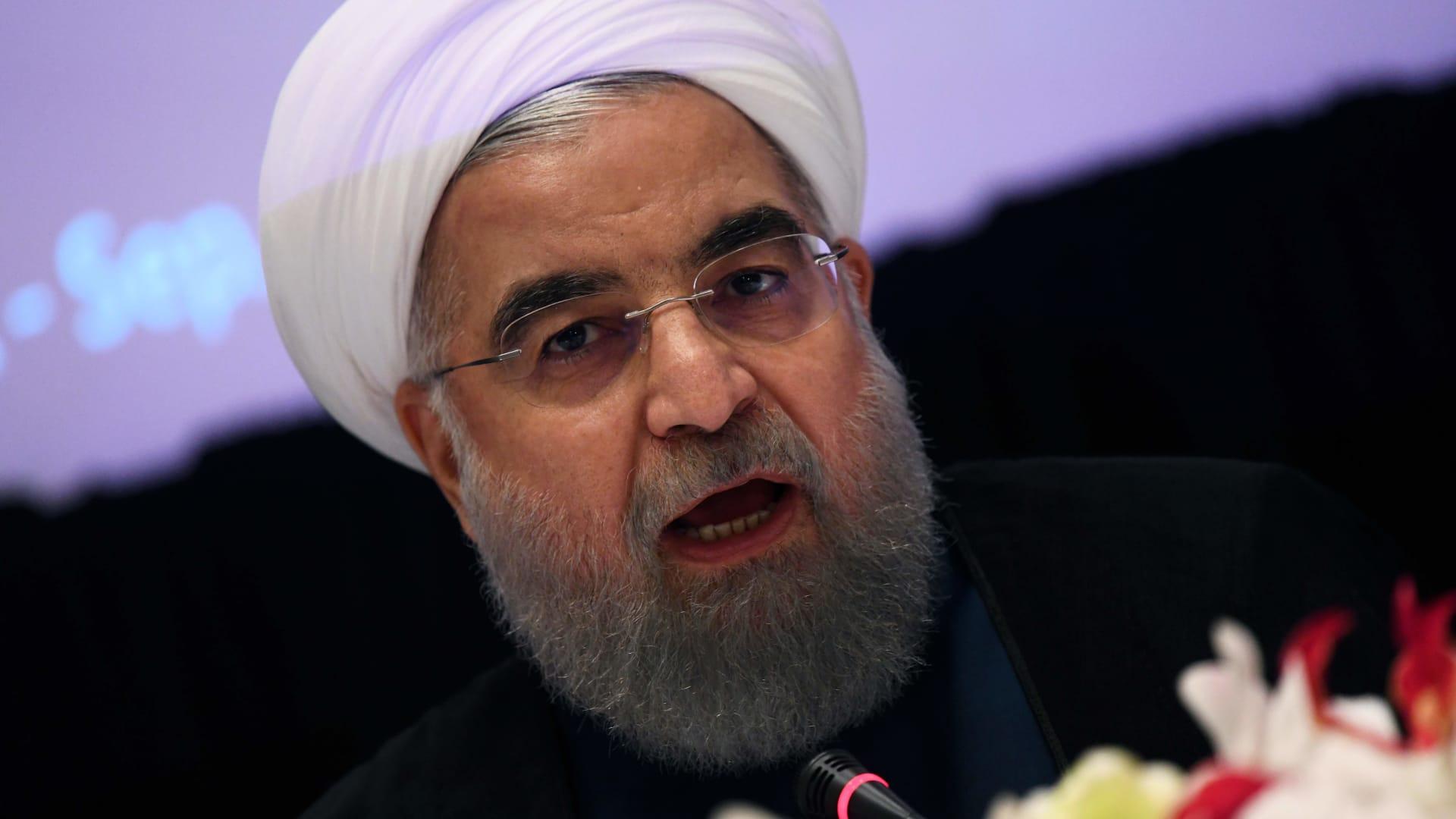 روحاني: صادرات النفط الإيراني لن تعتمد على مضيق هرمز والخليج