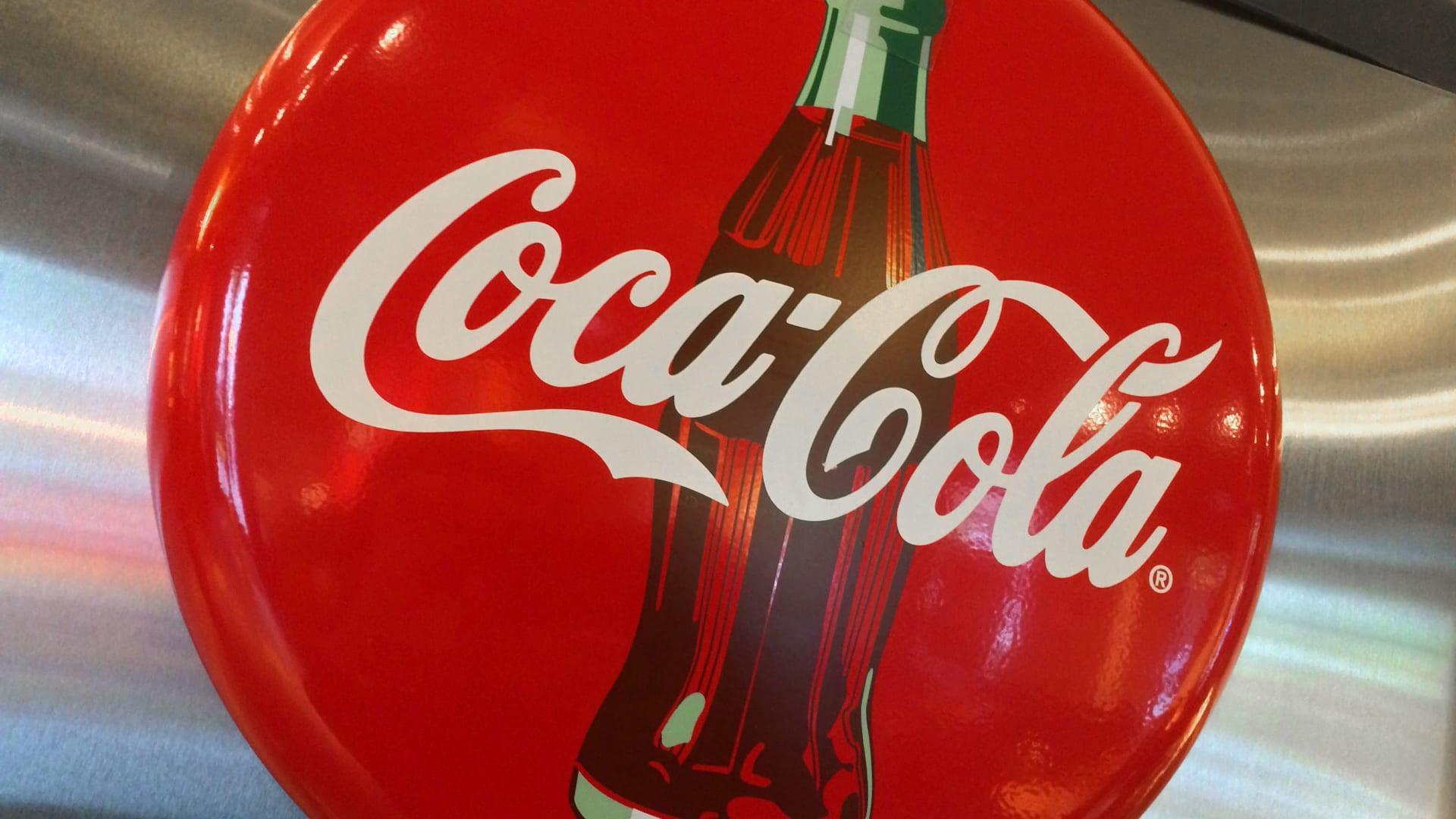 كوكاكولا تنضم لحملة المقاطعة الإعلانية لفيسبوك.. وتسحب دعايتها عبر الشبكة
