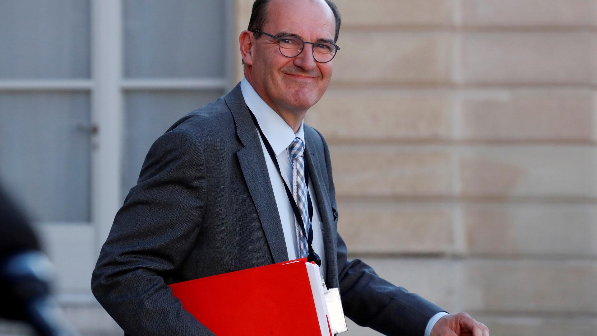 """ساهم بفتح اقتصاد البلاد بعد """"إغلاق كورونا"""".. من هو رئيس الوزراء الفرنسي الجديد؟"""