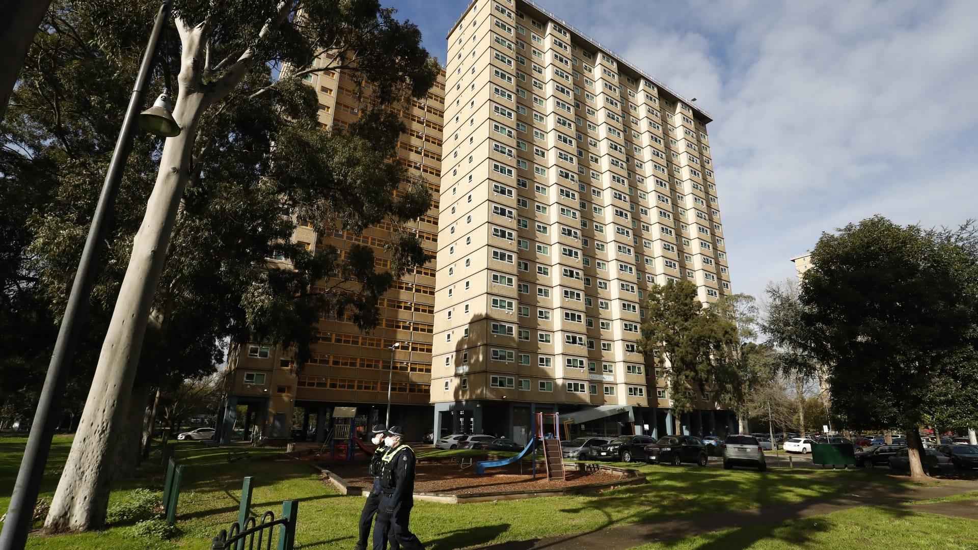وضع 9 أبراج سكنية و 3000 شخص تحت الإغلاق في ملبورن بسبب فيروس كورونا