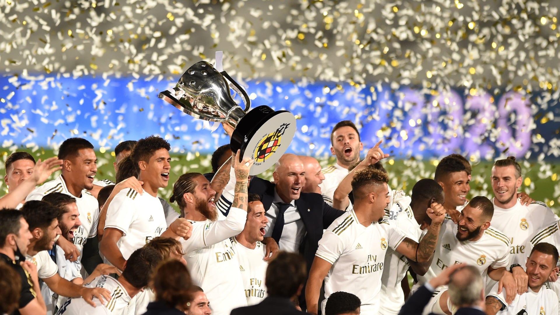 ريال مدريد بطلا للدوري الإسباني لأول مرة منذ 2017.. وميسي يُعلق على هزيمة برشلونة